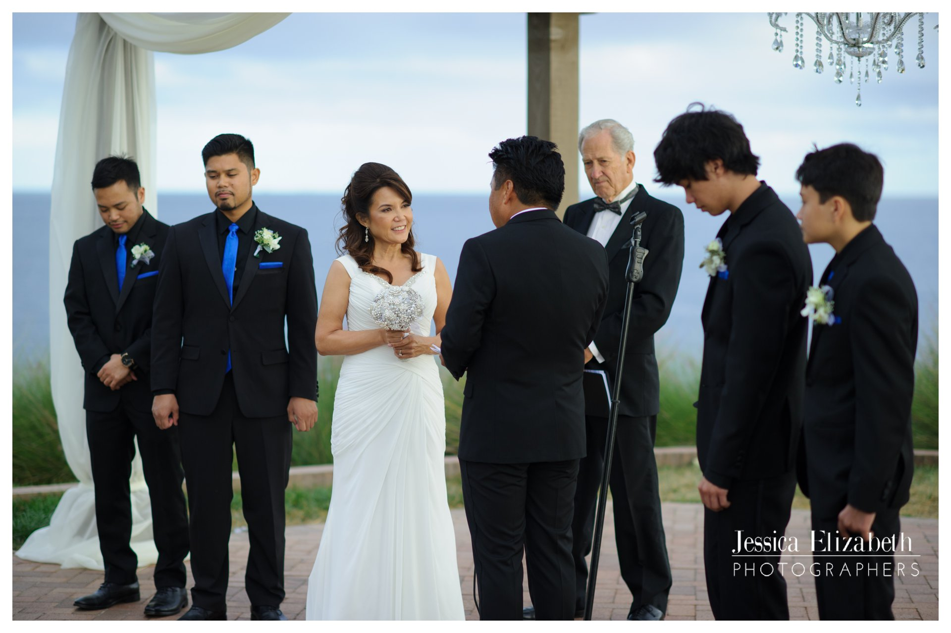 16-Terranea-Palos-Verdes-Wedding-Photography-by-Jessica-Elizabeth-w.jpg