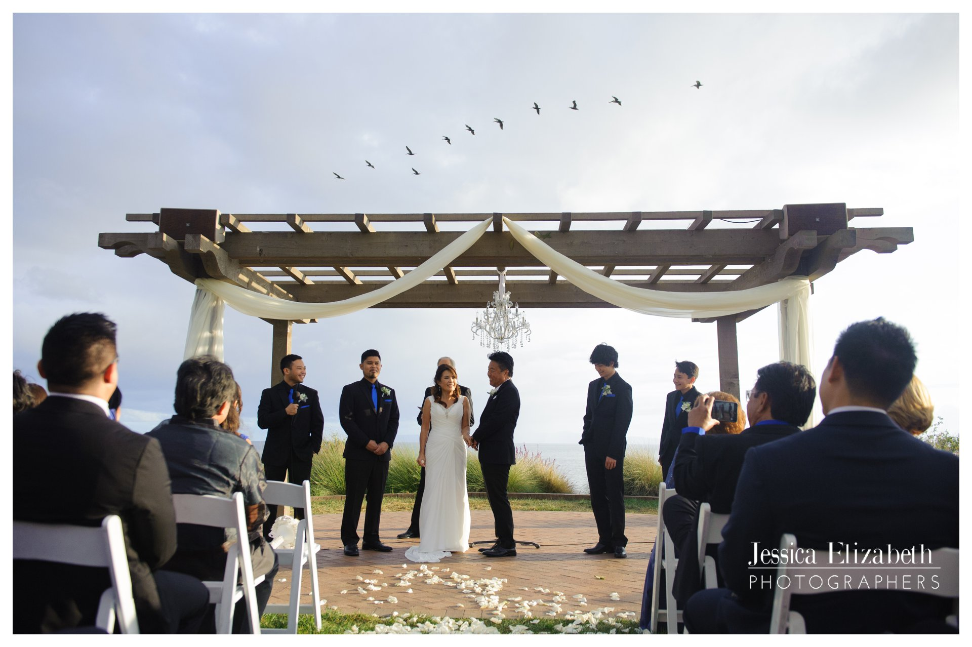 21-Terranea-Palos-Verdes-Wedding-Photography-by-Jessica-Elizabeth-w.jpg