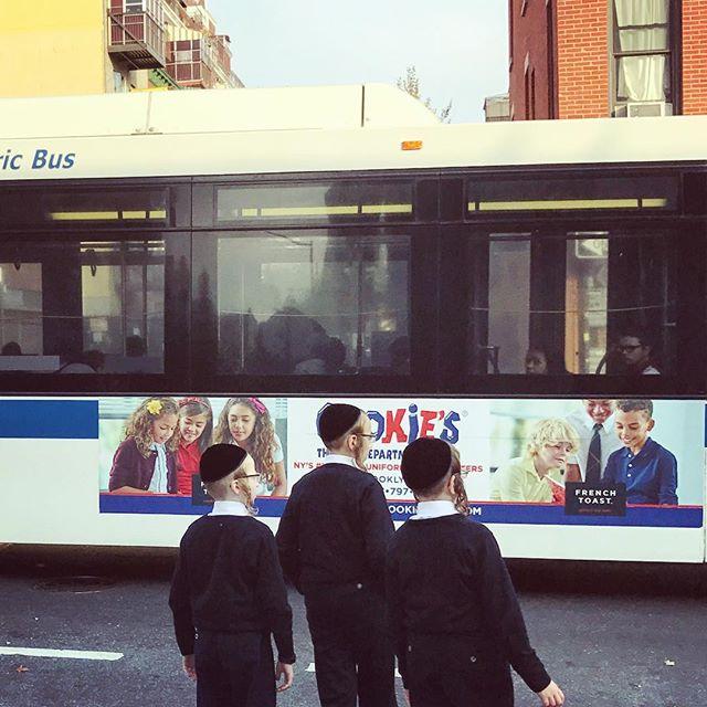 Kids waiting to cross the street.#newyork #instagood #newyorkcity #life #newyork_instagram #brooklyn
