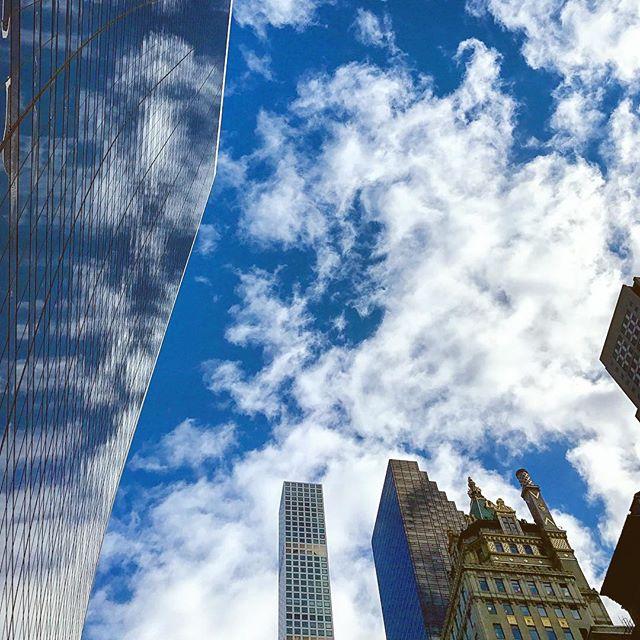 Cloud porn. ☁️🏙🗽. #iphoneonly #newyork #travelnyc #nyc #newyorklife #newyorkcity #bigapple #nyclife #travel #photo #clouds #sky #beautiful #skylovers #cloud