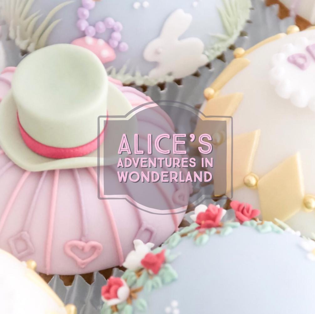 "DOME SHAPE CUPCAKES ドームカップケーキ ""ALICE'S ADVENTURES IN WONDERLAND""  レベル:★☆☆"