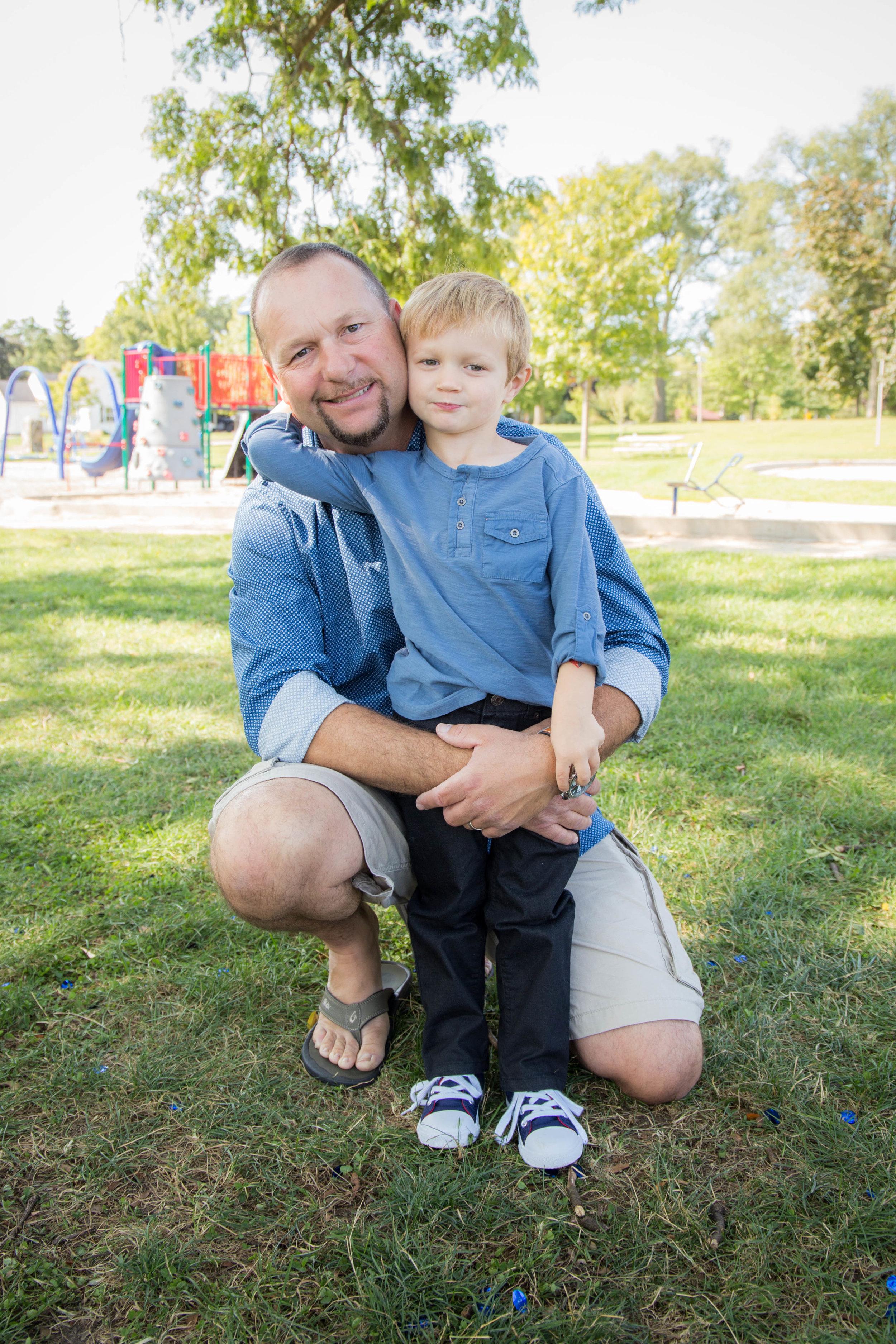 familyportraits-kidscandids-whitewaterwi-katydaixonphotography-14.jpg