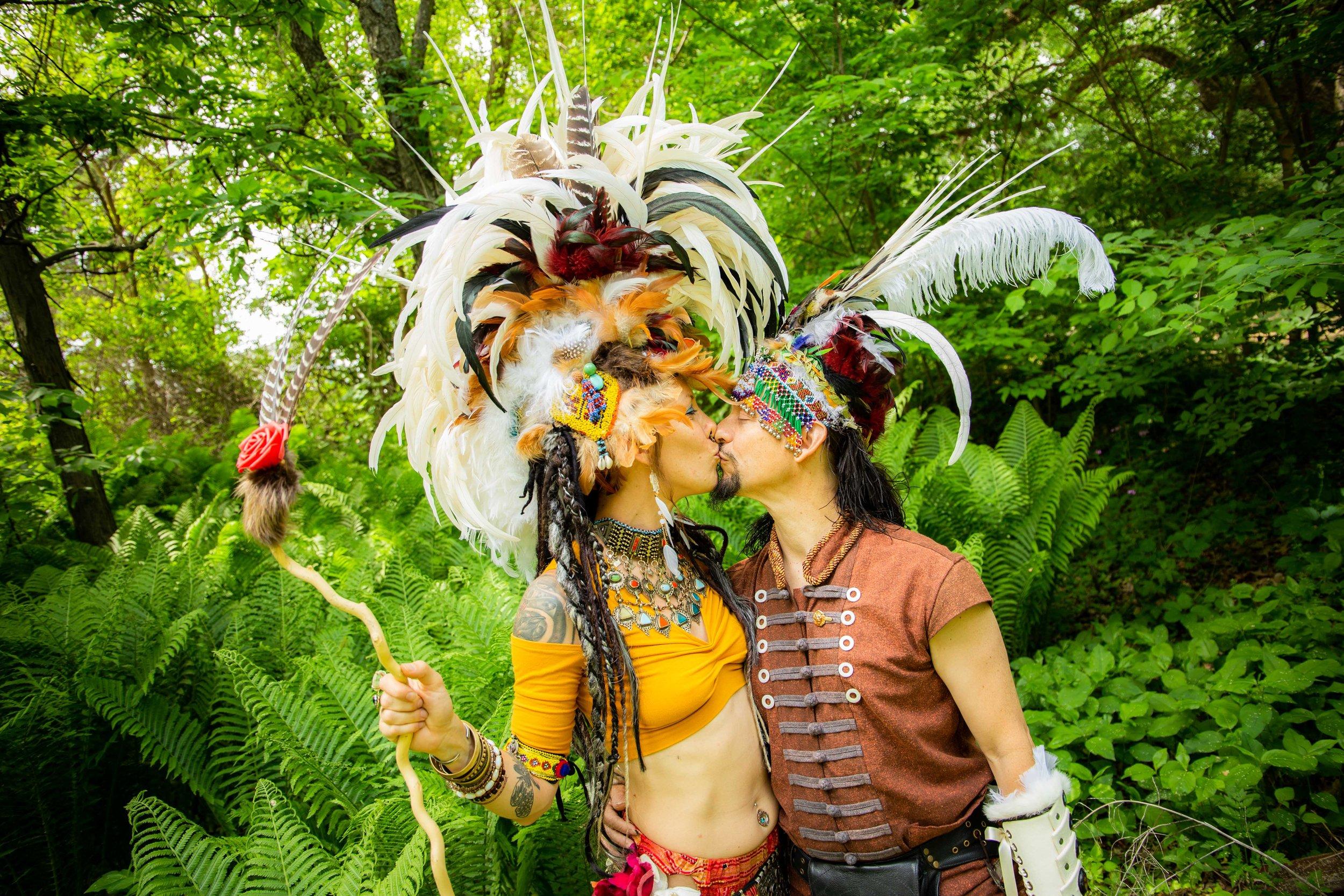 creativeportraits-engagementphotos-southernwiphotographer-katydaixonphotography-5.jpg
