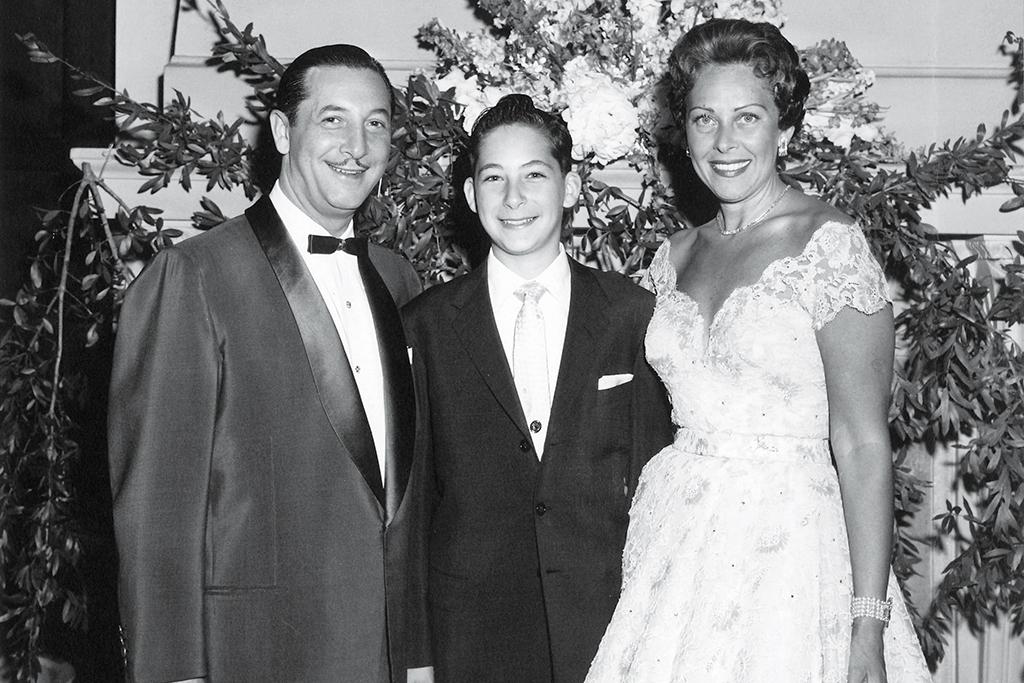 Stuart Weitzman with his Parents  CREDIT: STUART WEITZMAN