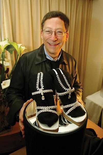 Stuart Weitzman and the Diamond Guild Stiletto shoe  CREDIT: SHUTTERSTOCK