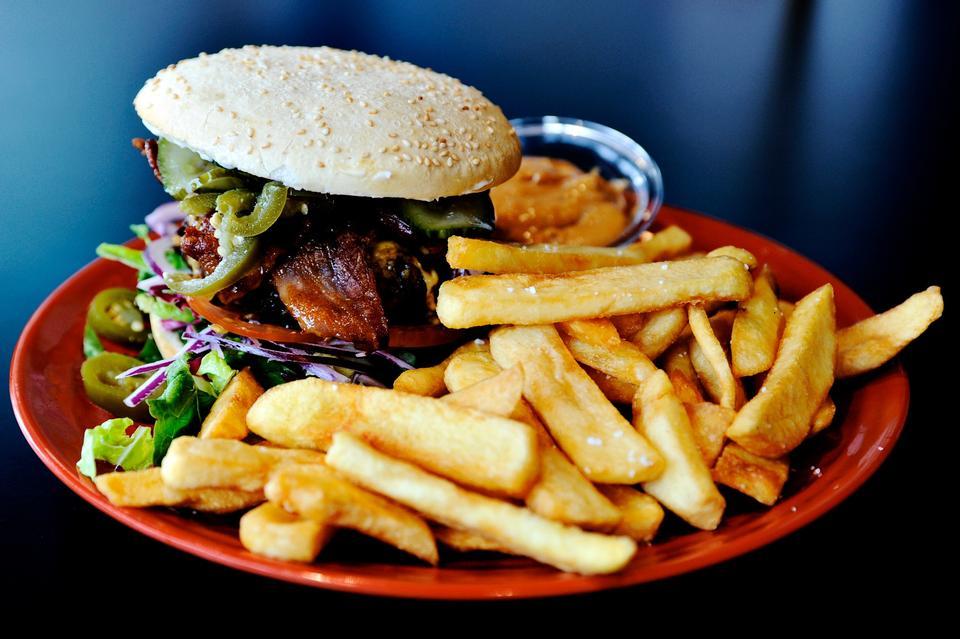 Vægttab handler om kalorier, ikke kulhydrater. Fortællingen om de fedende kulhydrater skygger for det faktum, at der er mange flere veje til vægttab end low carb. Foto: Martin Kurt Haglund (arkiv)