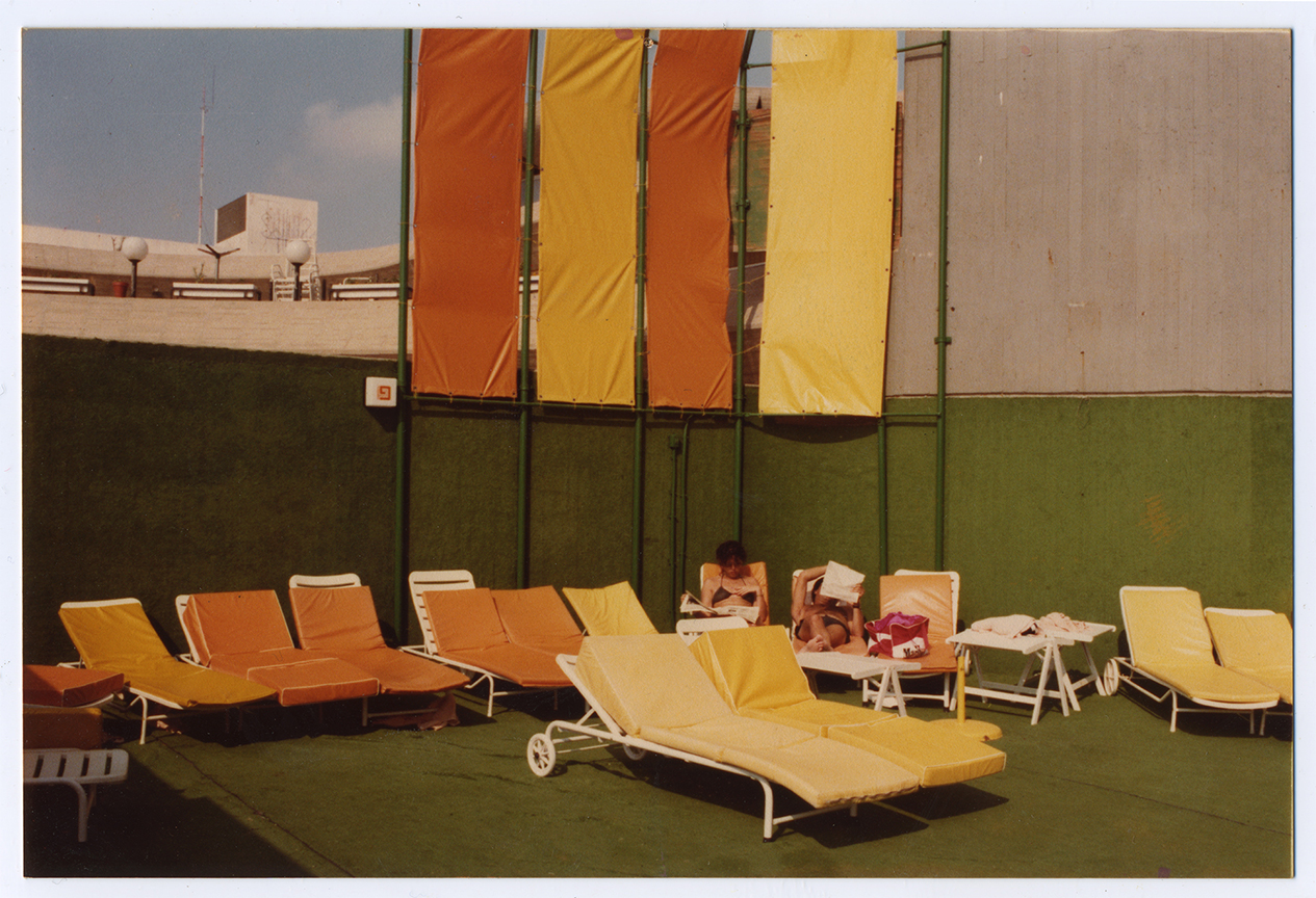 Hotel poolside Tel Aviv WEB.jpg