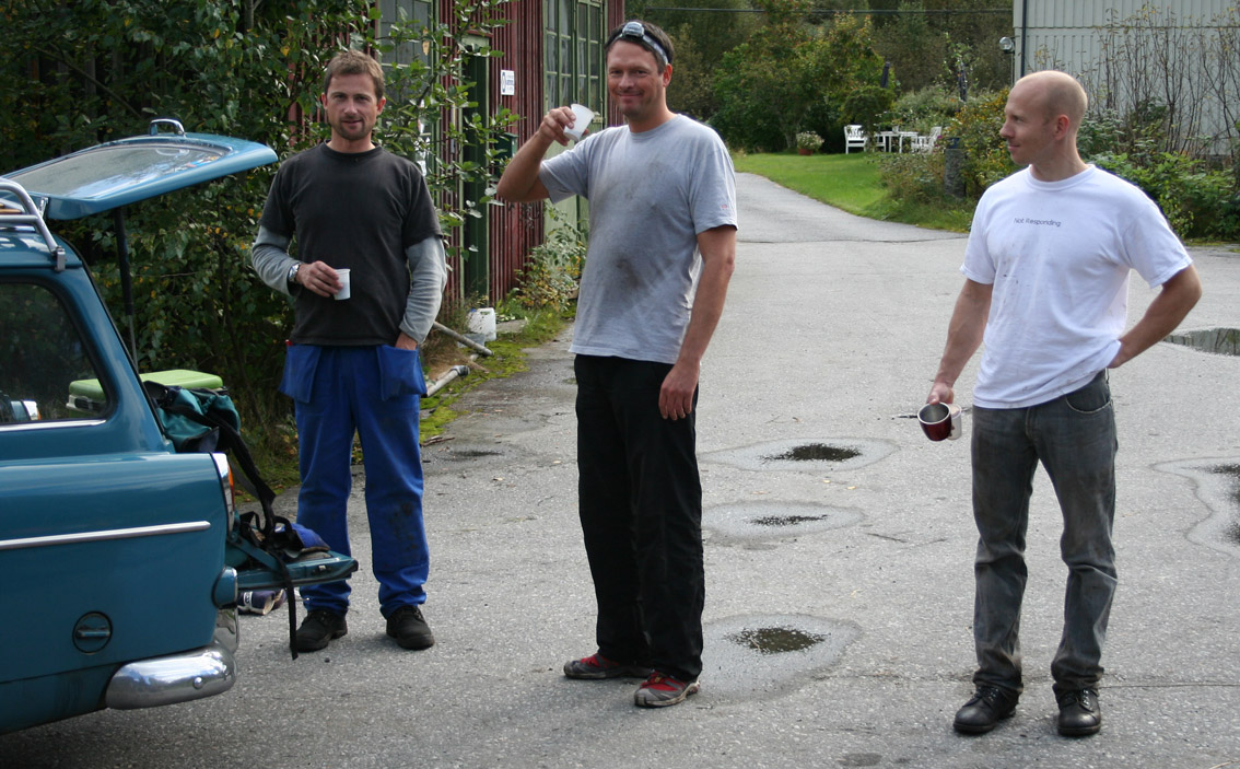 Team Anders, Ketil, Jogeir og André (fotograf) på jakt etter Spanjoladeler, Området der sykkelen lå ble endevendt, og erklært Spanjolafritt!