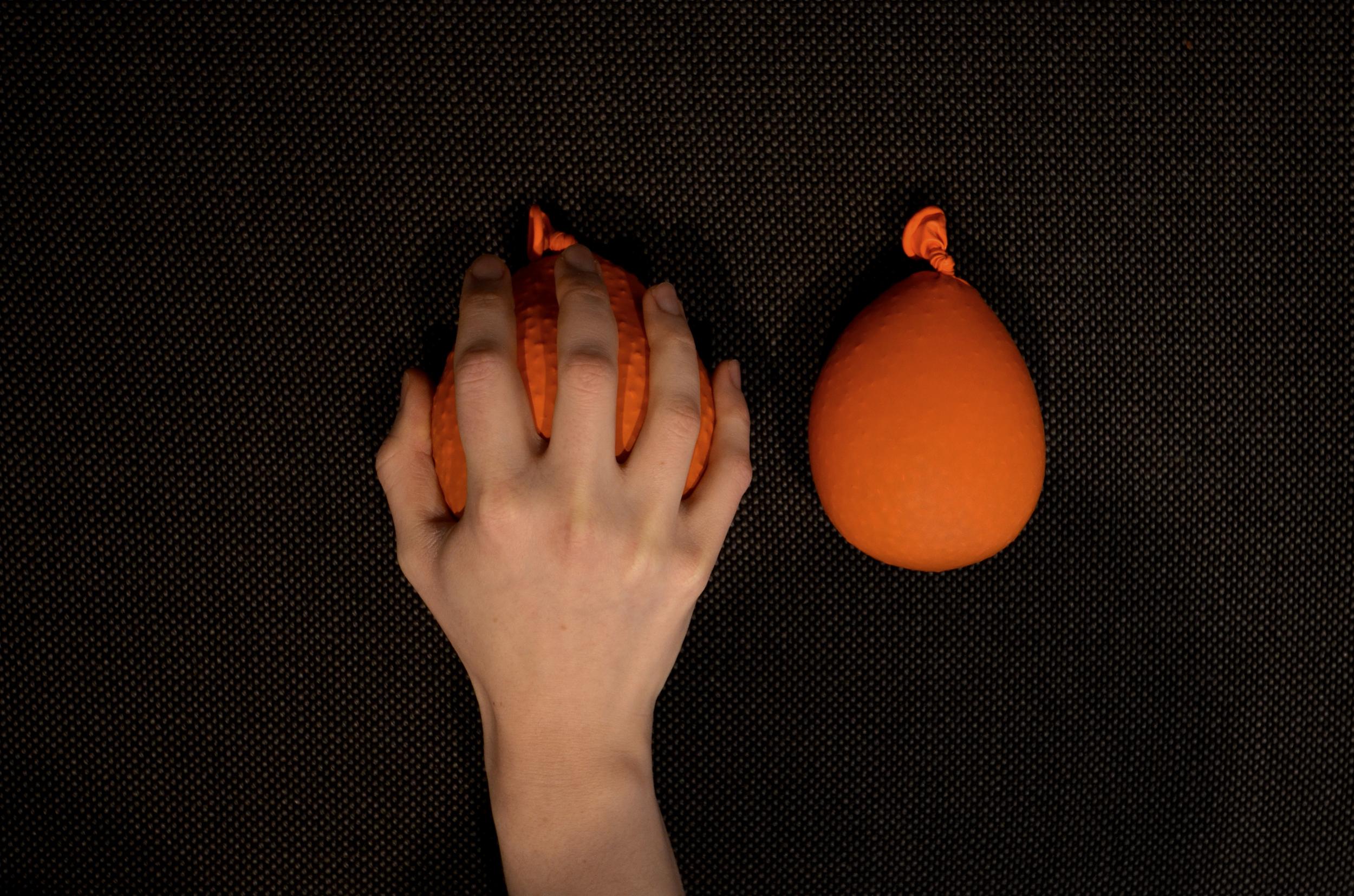 hand_baloons.JPG
