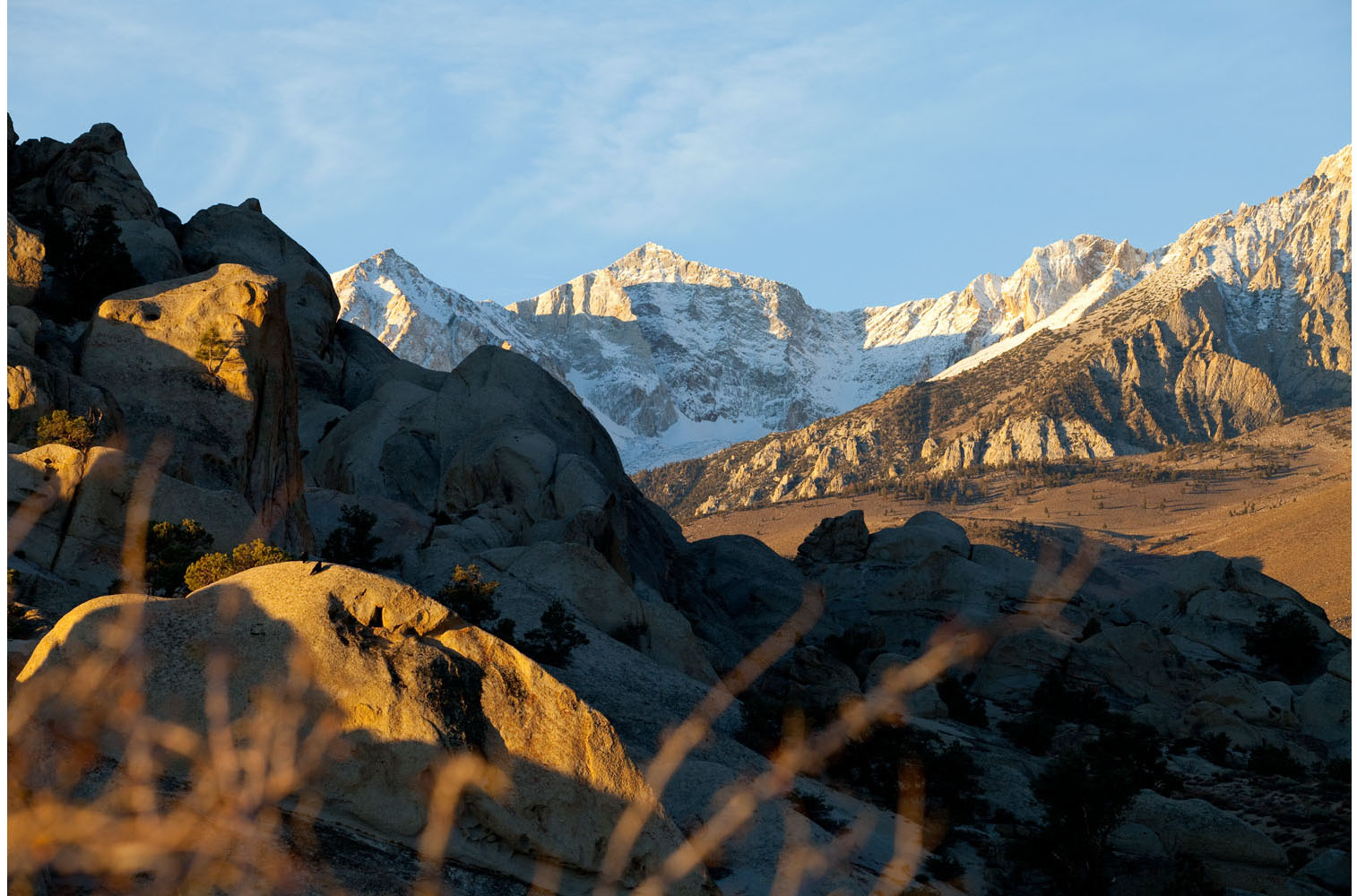 Landscape: The Eastern Sierra Nevada mountains at sunrise, California