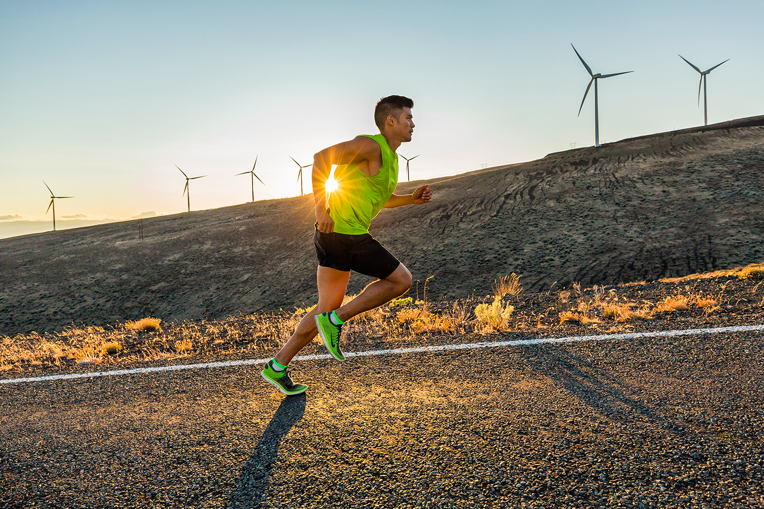 Fitness: Andrew Ignacio road running in the desert through Whiskey Dick wildlife refuge, Vantage, Washington