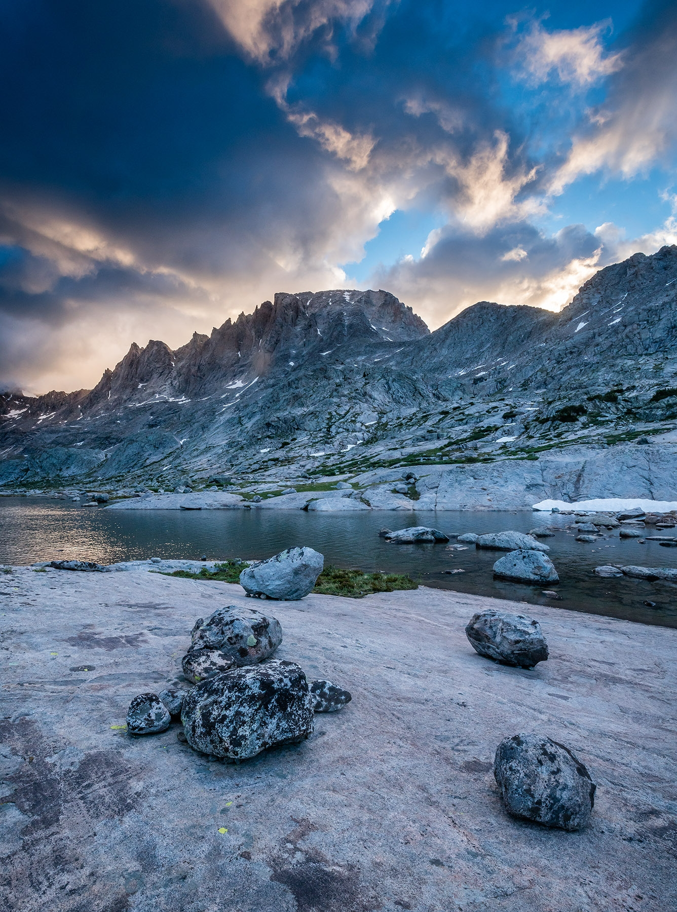 Sunrise over Fremont peak, titcomb basin, wind river range, wyoming