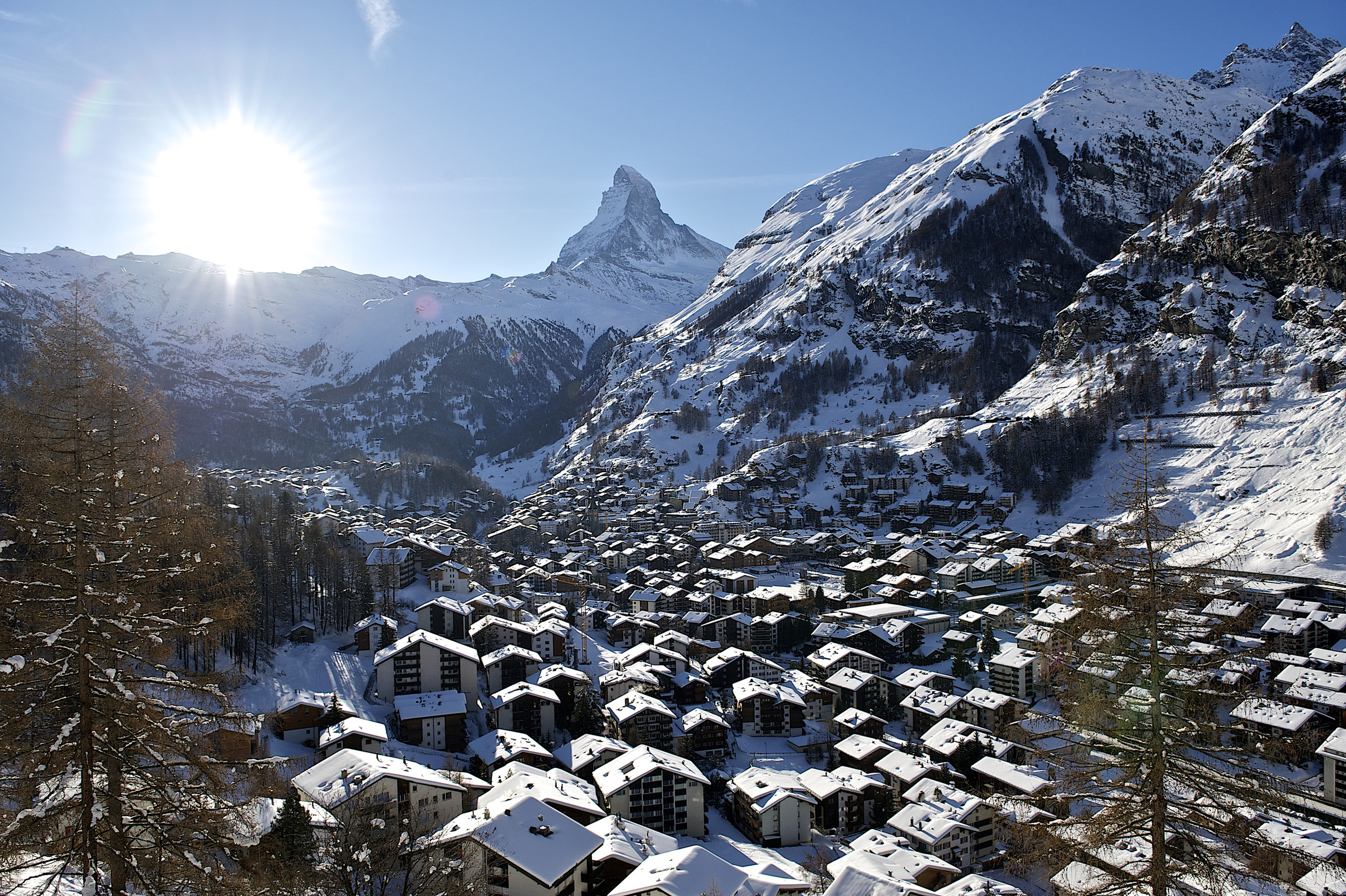 Zermatt and his famous Matterhorn (© Zermatt Tourismus / Michael Portmann)