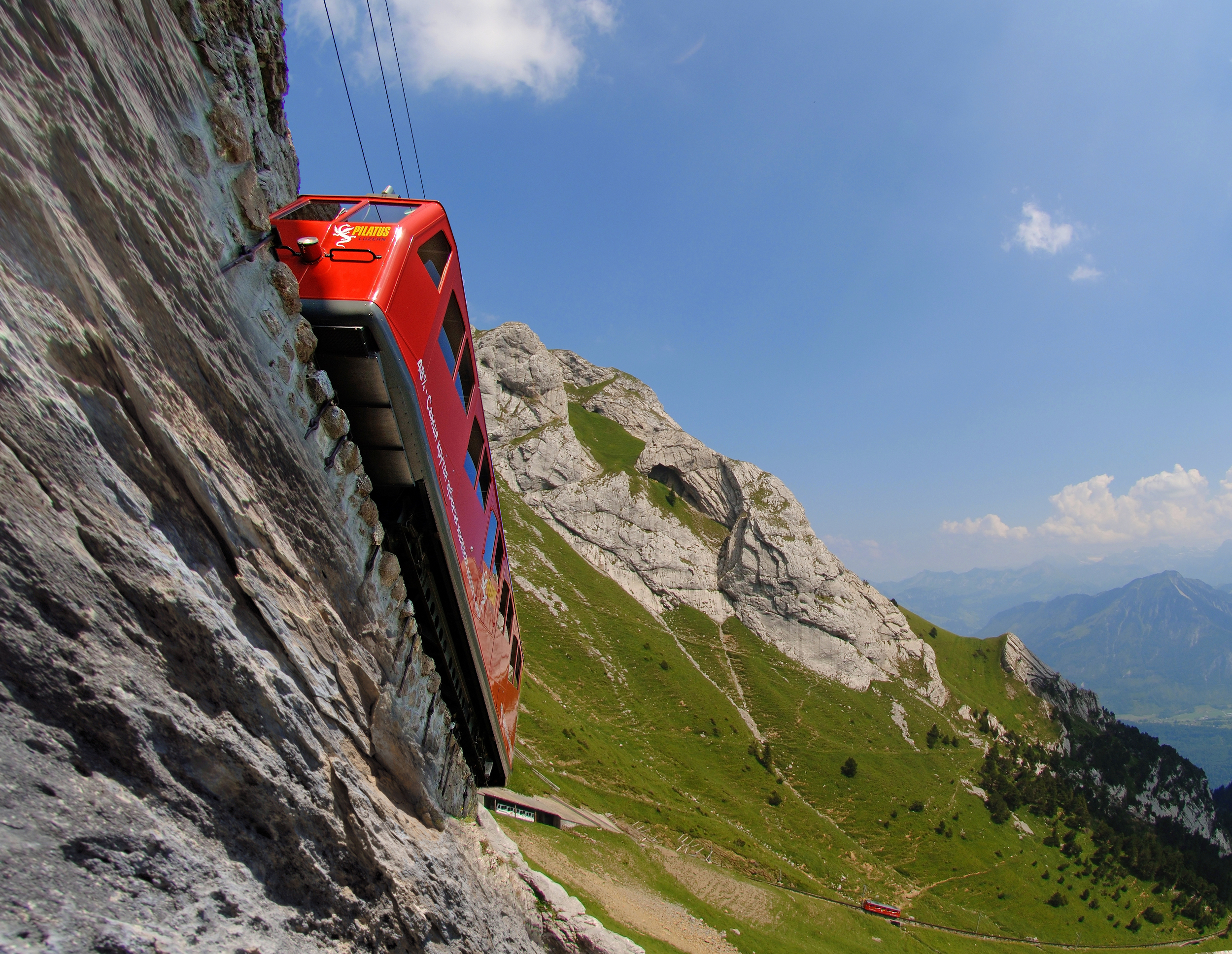 World's steepest rack railway to the Pilatus near Lucerne (© Luzern Tourismus)