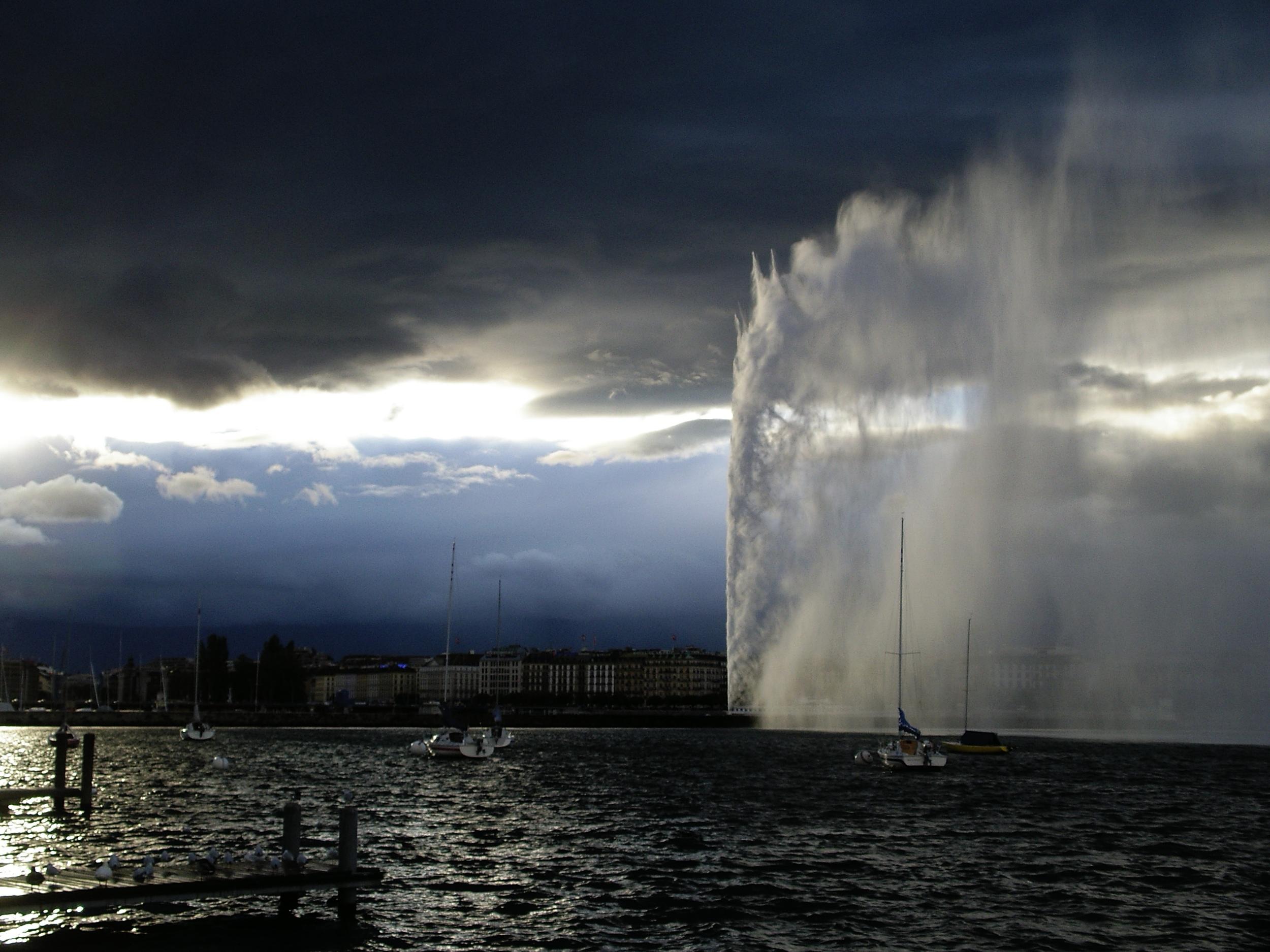 Jet d'Eau in Geneve (© Geneve Tourism / Alain Mutzenberg)