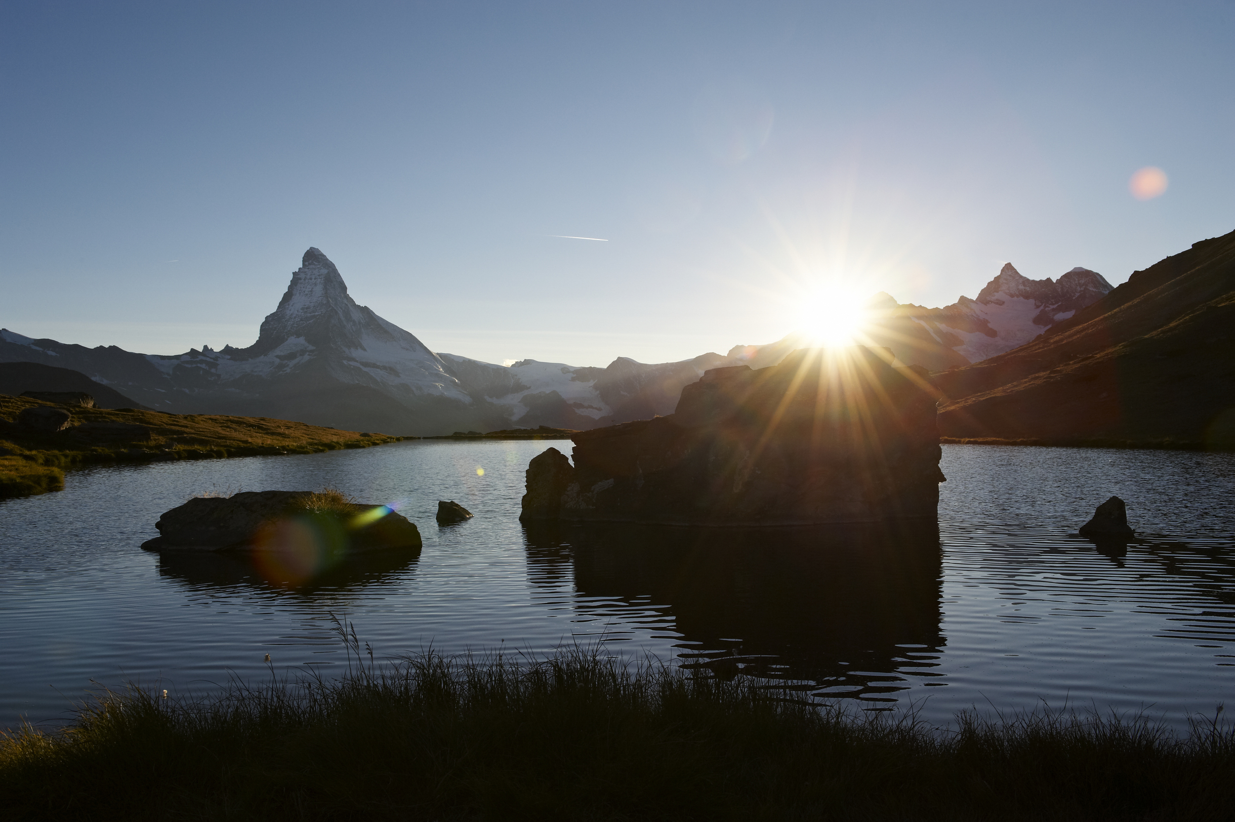 The Stellisee and the Matterhorn in the background (© Zermatt Tourism / Michael Portmann)