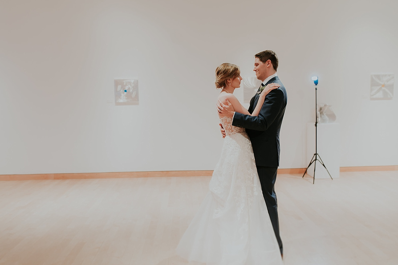 Alicia+lucia+photography+-+albuquerque+wedding+photographer+-+santa+fe+wedding+photography+-+new+mexico+wedding+photographer+-+gerald+peters+gallery+wedding_0075.jpg