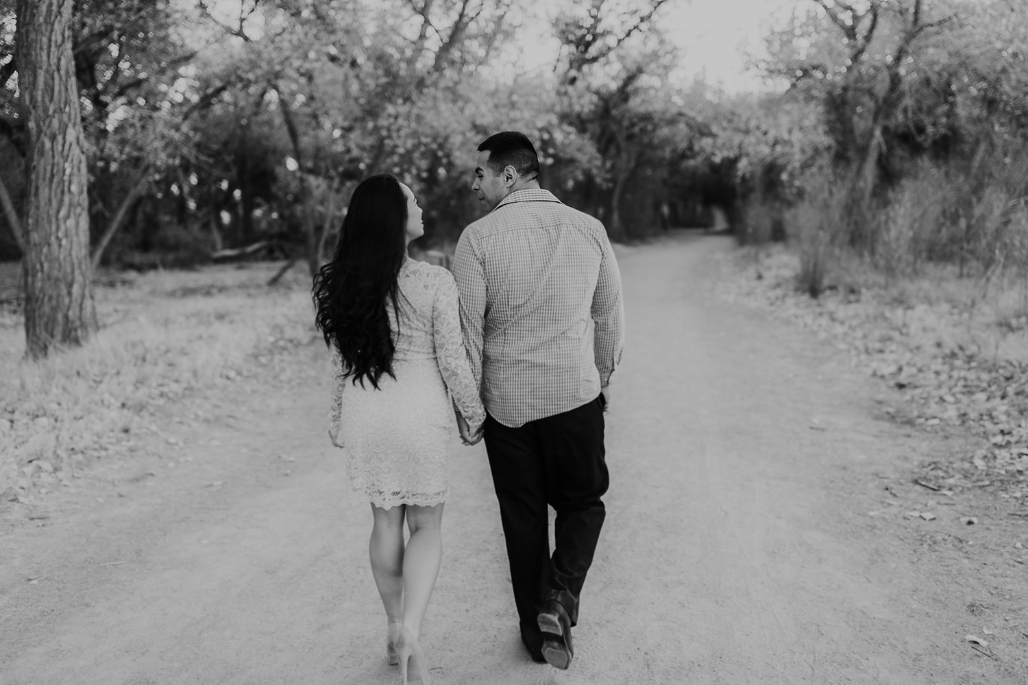 Alicia+lucia+photography+-+albuquerque+wedding+photographer+-+santa+fe+wedding+photography+-+new+mexico+wedding+photographer+-+albuquerque+winter+engagement+session_0020.jpg