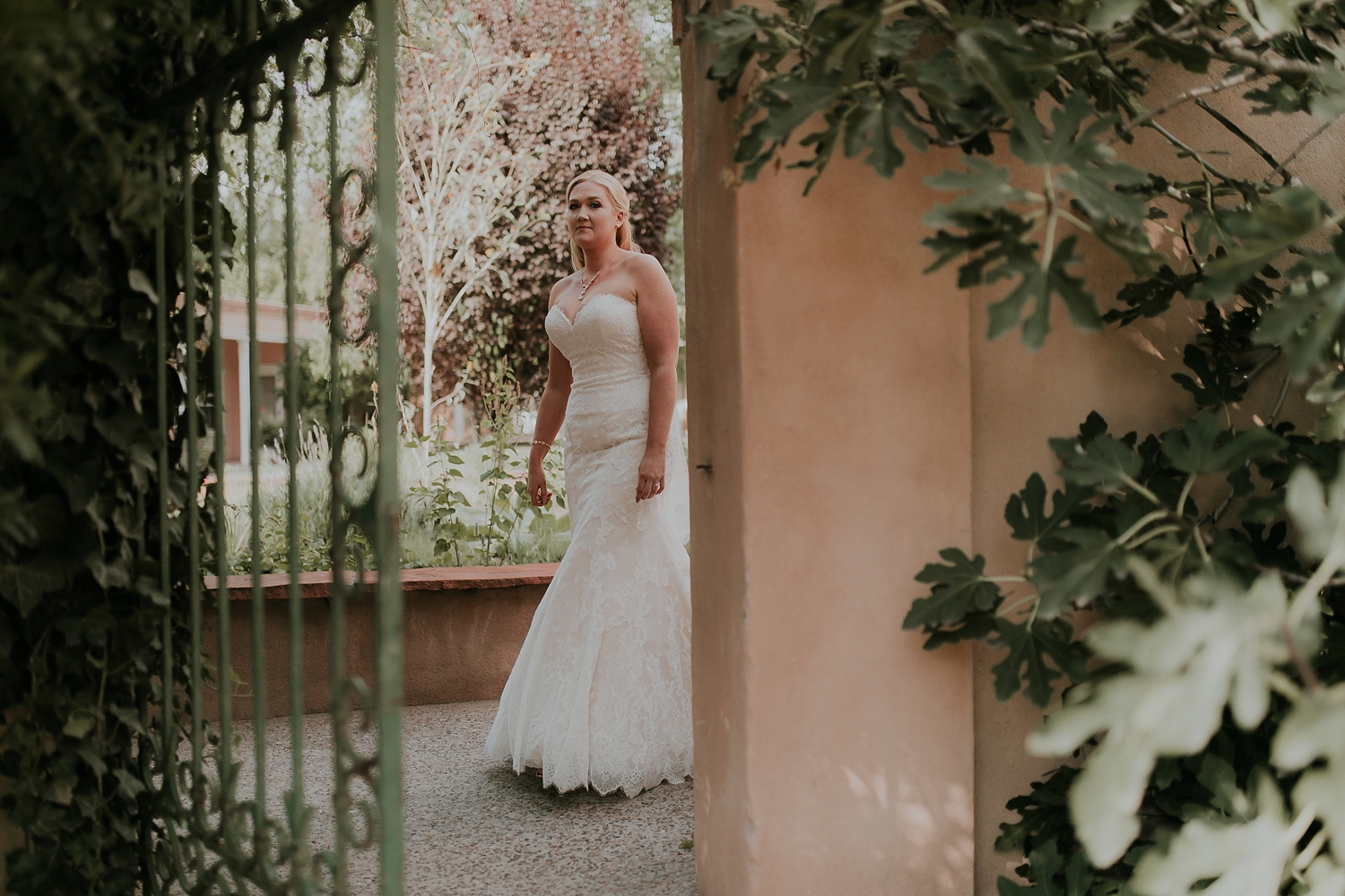 Alicia+lucia+photography+-+albuquerque+wedding+photographer+-+santa+fe+wedding+photography+-+new+mexico+wedding+photographer+-+los+poblanos+wedding+-+los+poblanos+fall+wedding_0025.jpg