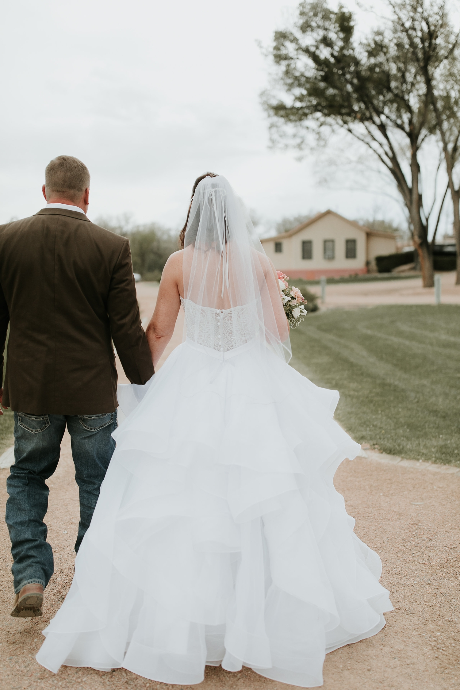 Alicia+lucia+photography+-+albuquerque+wedding+photographer+-+santa+fe+wedding+photography+-+new+mexico+wedding+photographer+-+new+mexico+engagement+-+la+mesita+ranch+wedding+-+la+mesita+ranch+spring+wedding_0038.jpg