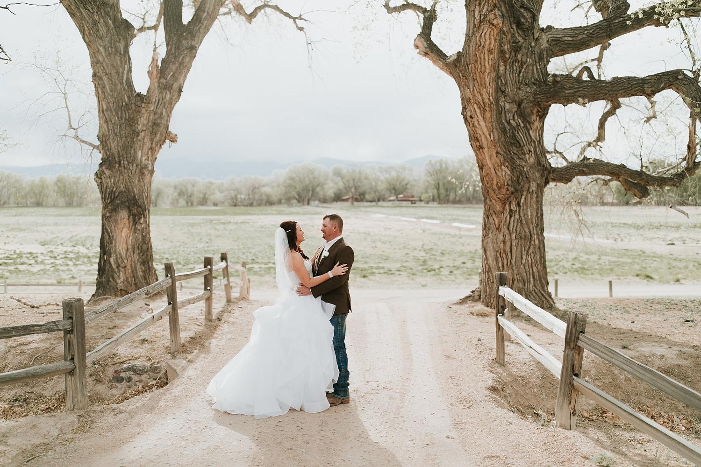 Alicia+lucia+photography+-+albuquerque+wedding+photographer+-+santa+fe+wedding+photography+-+new+mexico+wedding+photographer+-+new+mexico+engagement+-+la+mesita+ranch+wedding+-+la+mesita+ranch+spring+wedding_0063.jpg