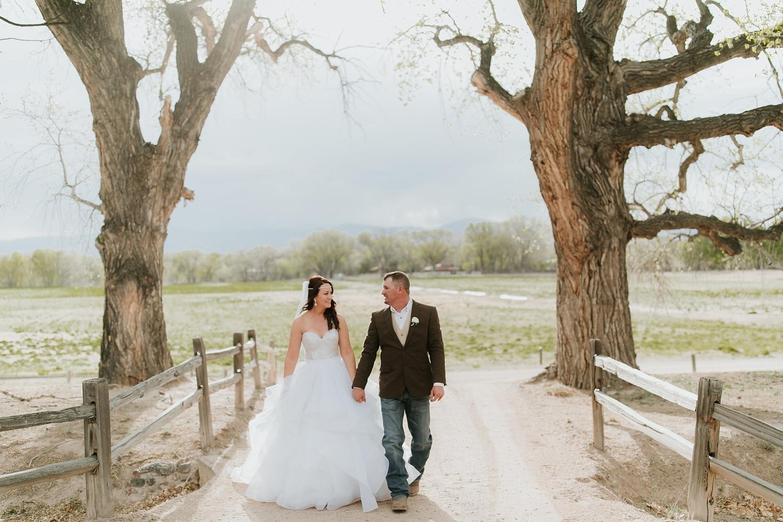 Alicia+lucia+photography+-+albuquerque+wedding+photographer+-+santa+fe+wedding+photography+-+new+mexico+wedding+photographer+-+new+mexico+engagement+-+la+mesita+ranch+wedding+-+la+mesita+ranch+spring+wedding_0067.jpg