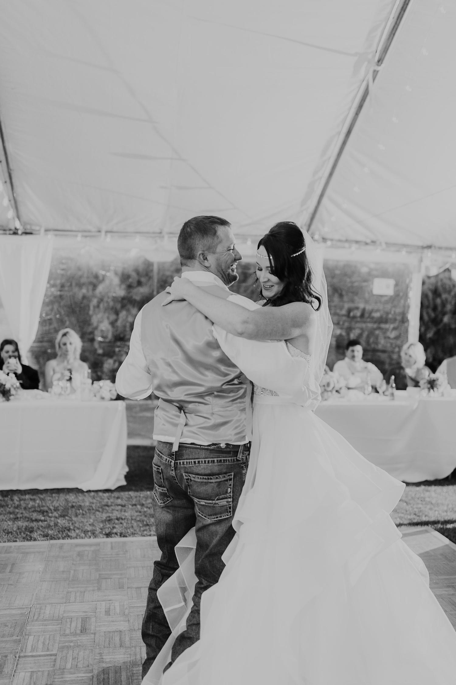 Alicia+lucia+photography+-+albuquerque+wedding+photographer+-+santa+fe+wedding+photography+-+new+mexico+wedding+photographer+-+new+mexico+engagement+-+la+mesita+ranch+wedding+-+la+mesita+ranch+spring+wedding_0084.jpg