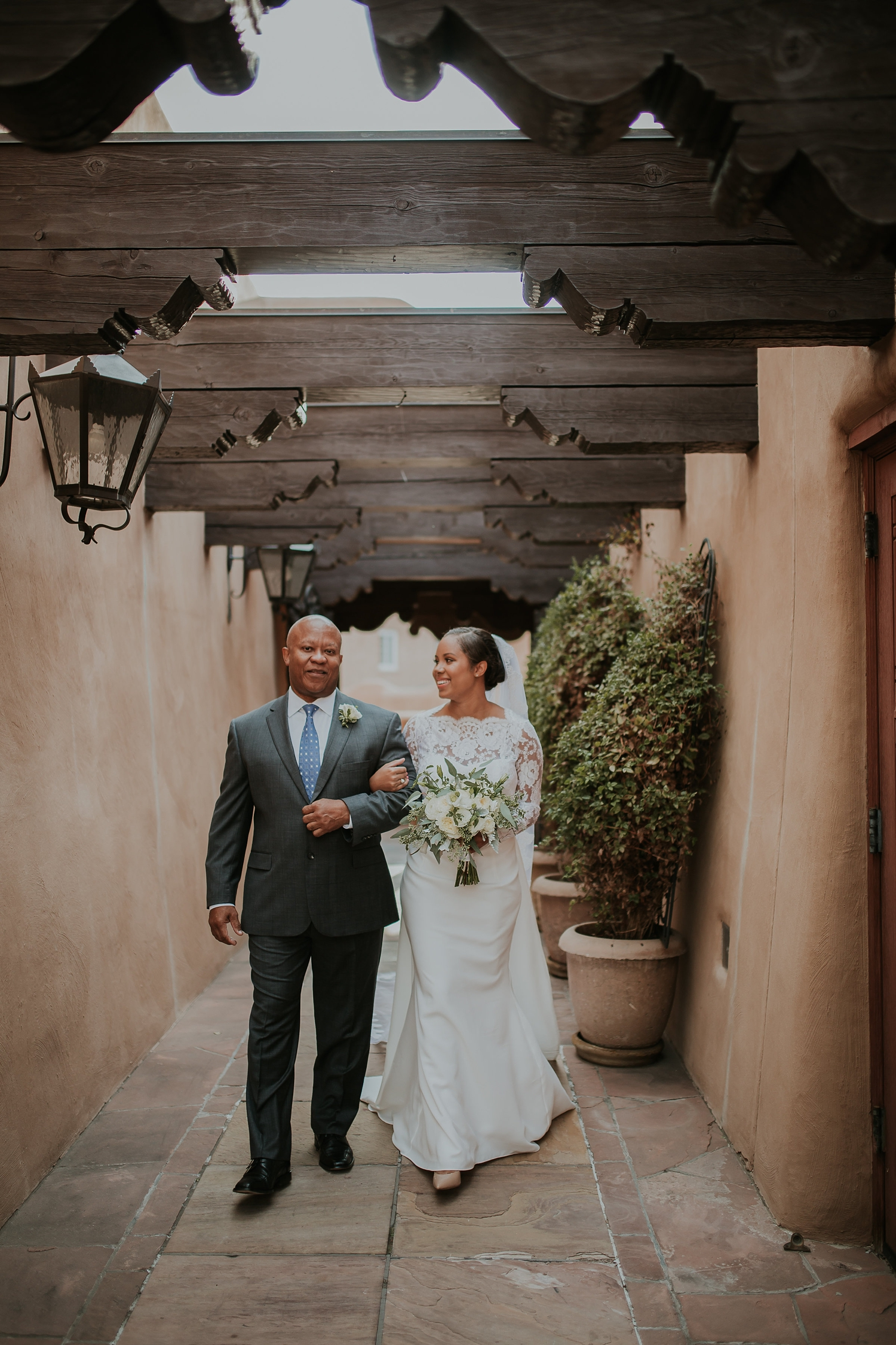 Alicia+lucia+photography+-+albuquerque+wedding+photographer+-+santa+fe+wedding+photography+-+new+mexico+wedding+photographer+-+new+mexico+engagement+-+la+fonda+new+mexico+wedding+-+la+fonda+fall+wedding_0040.jpg