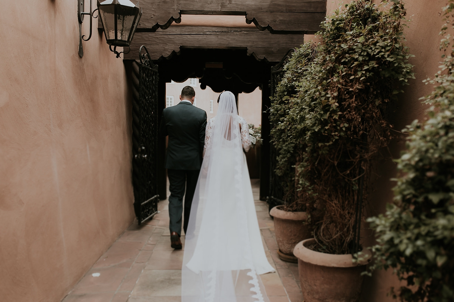 Alicia+lucia+photography+-+albuquerque+wedding+photographer+-+santa+fe+wedding+photography+-+new+mexico+wedding+photographer+-+new+mexico+engagement+-+la+fonda+new+mexico+wedding+-+la+fonda+fall+wedding_0054.jpg