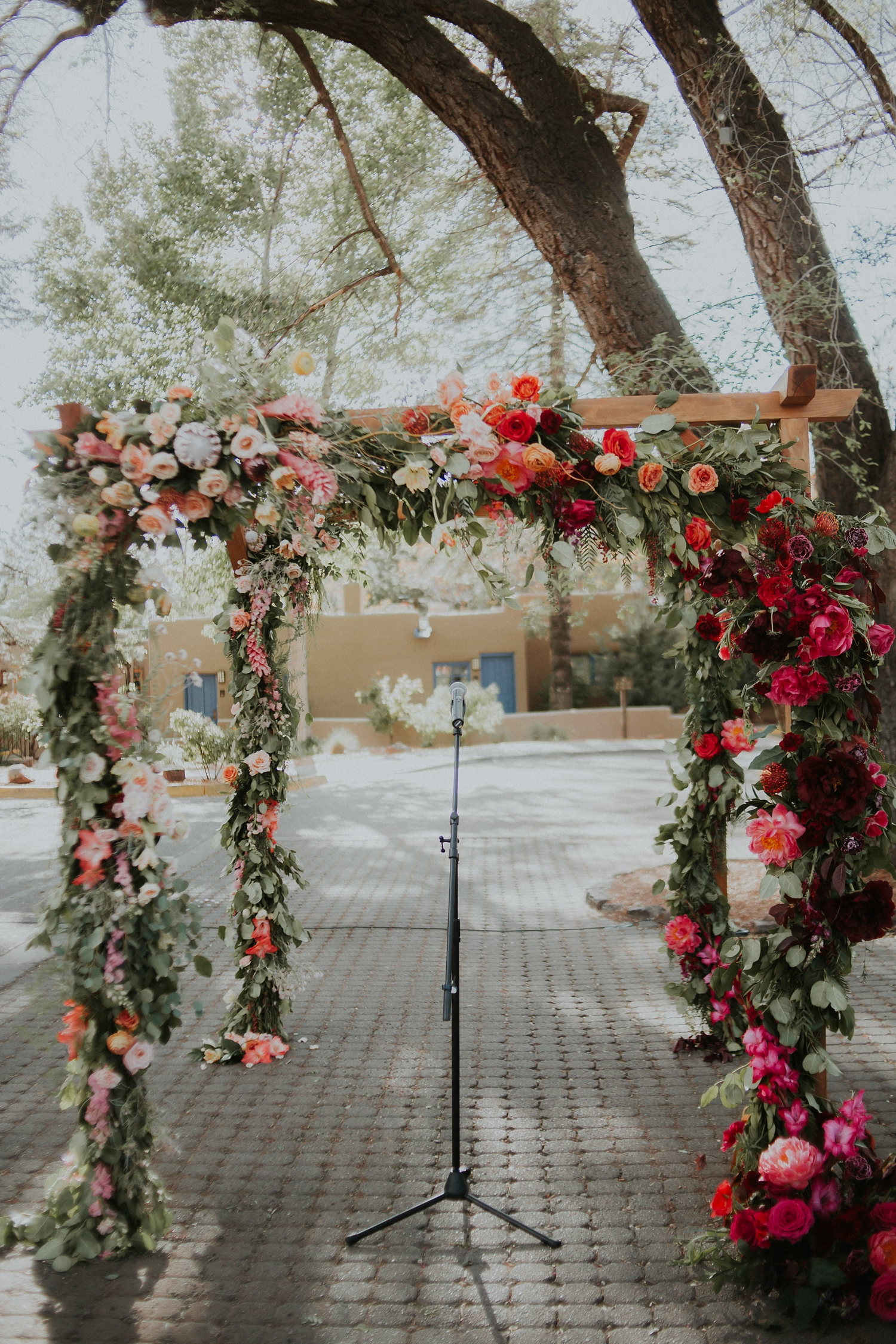 Alicia+lucia+photography+-+albuquerque+wedding+photographer+-+santa+fe+wedding+photography+-+new+mexico+wedding+photographer+-+wedding+flowers+-+summer+wedding+flowers_0009.jpg
