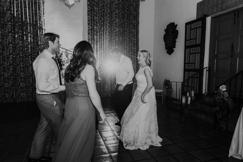 Alicia+lucia+photography+-+albuquerque+wedding+photographer+-+santa+fe+wedding+photography+-+new+mexico+wedding+photographer+-+la+fonda+wedding+-+la+fonda+fall+wedding+-+intimate+la+fonda+wedding_0053.jpg