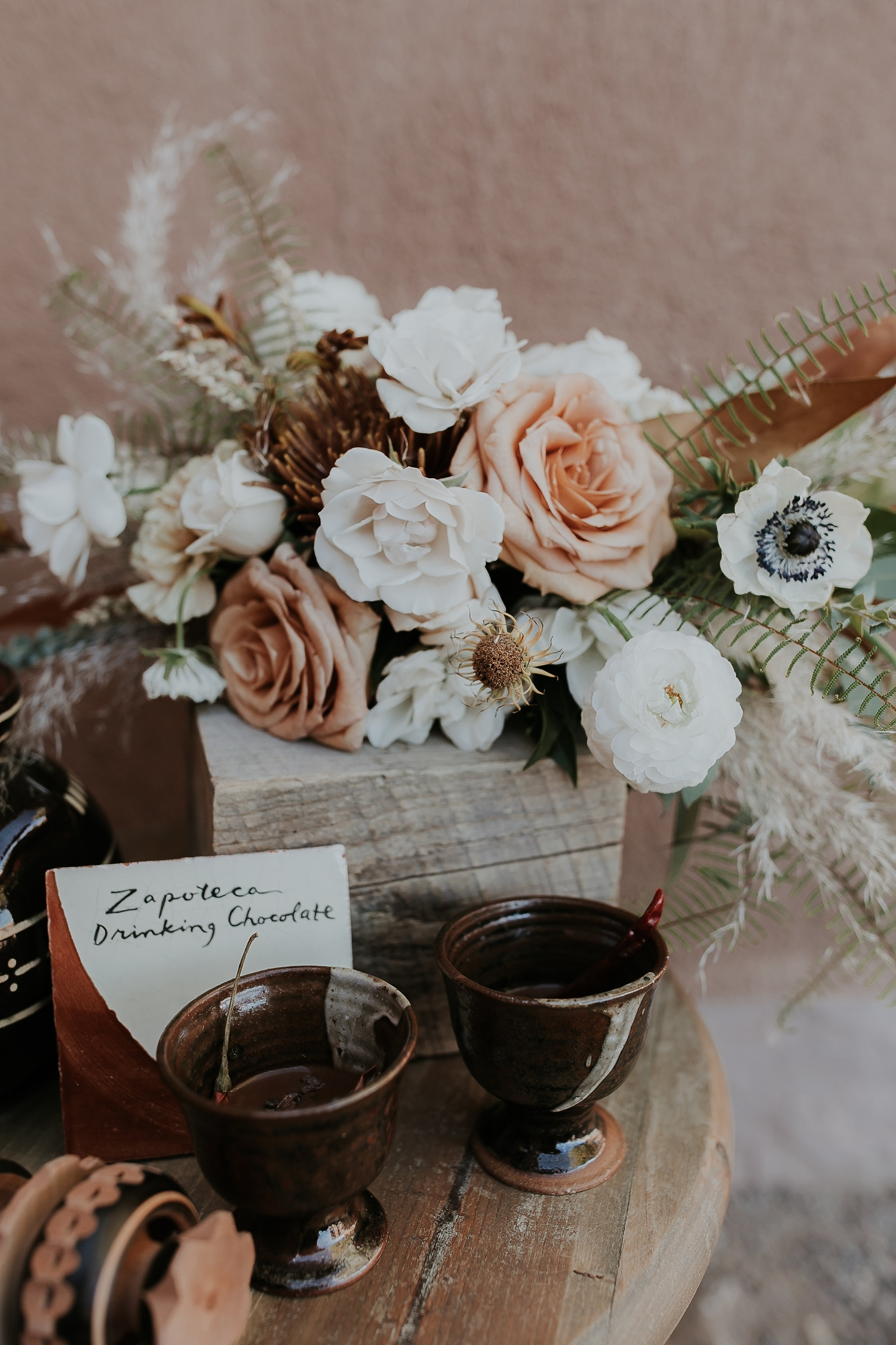 Alicia+lucia+photography+-+albuquerque+wedding+photographer+-+santa+fe+wedding+photography+-+new+mexico+wedding+photographer+-+new+mexico+ghost+ranch+wedding+-+styled+wedding+shoot_0012.jpg