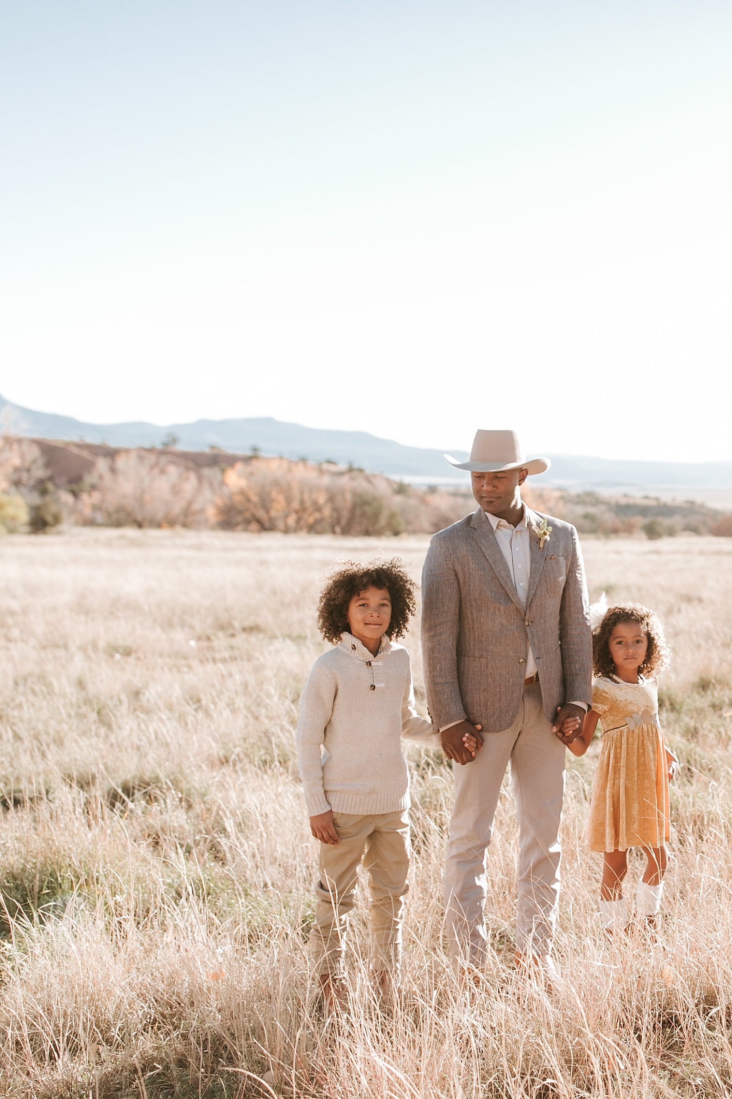 Alicia+lucia+photography+-+albuquerque+wedding+photographer+-+santa+fe+wedding+photography+-+new+mexico+wedding+photographer+-+new+mexico+ghost+ranch+wedding+-+styled+wedding+shoot_0016.jpg