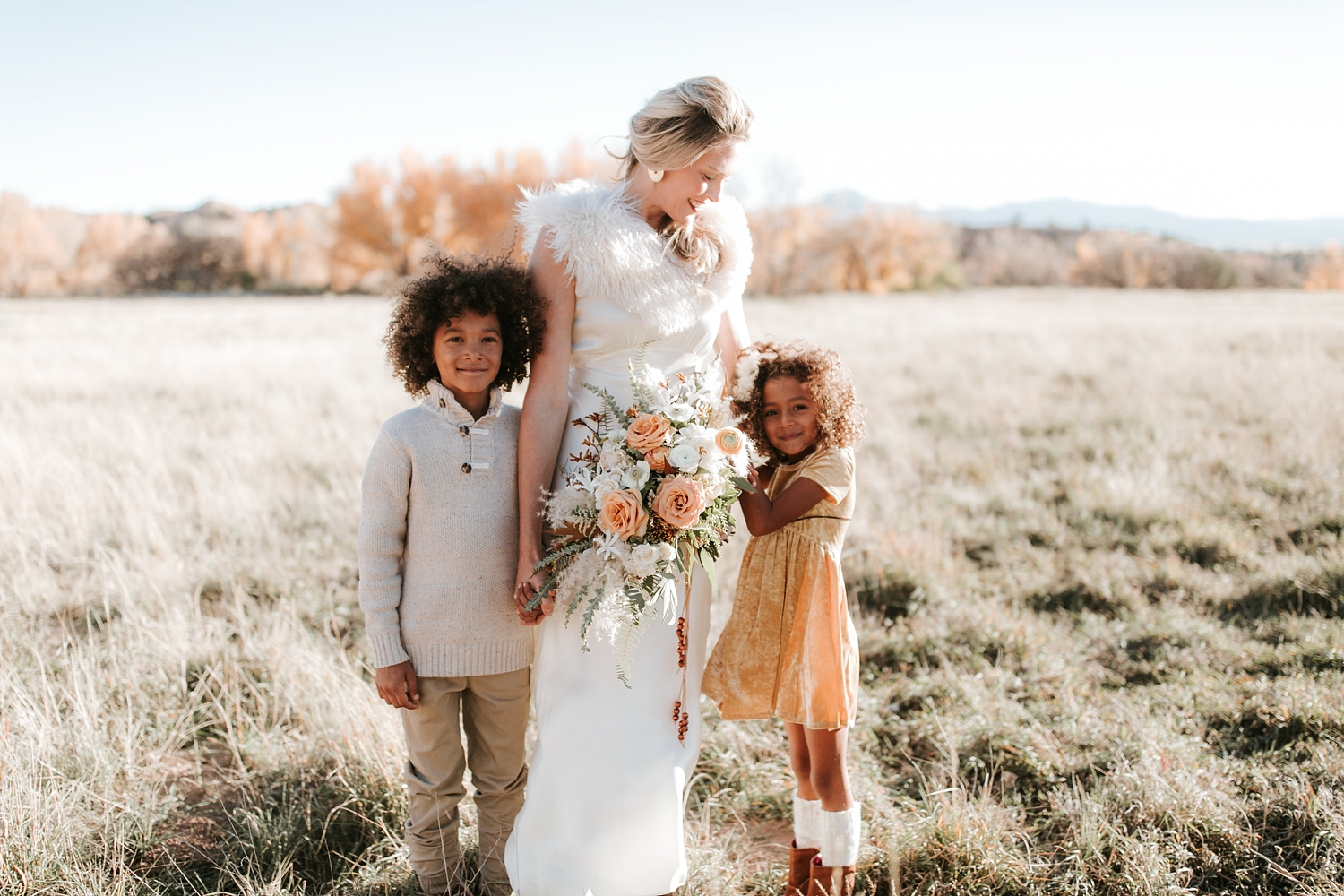 Alicia+lucia+photography+-+albuquerque+wedding+photographer+-+santa+fe+wedding+photography+-+new+mexico+wedding+photographer+-+new+mexico+ghost+ranch+wedding+-+styled+wedding+shoot_0026.jpg