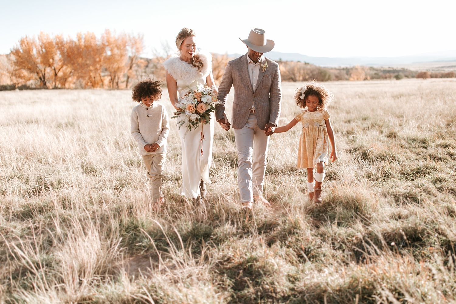 Alicia+lucia+photography+-+albuquerque+wedding+photographer+-+santa+fe+wedding+photography+-+new+mexico+wedding+photographer+-+new+mexico+ghost+ranch+wedding+-+styled+wedding+shoot_0027.jpg
