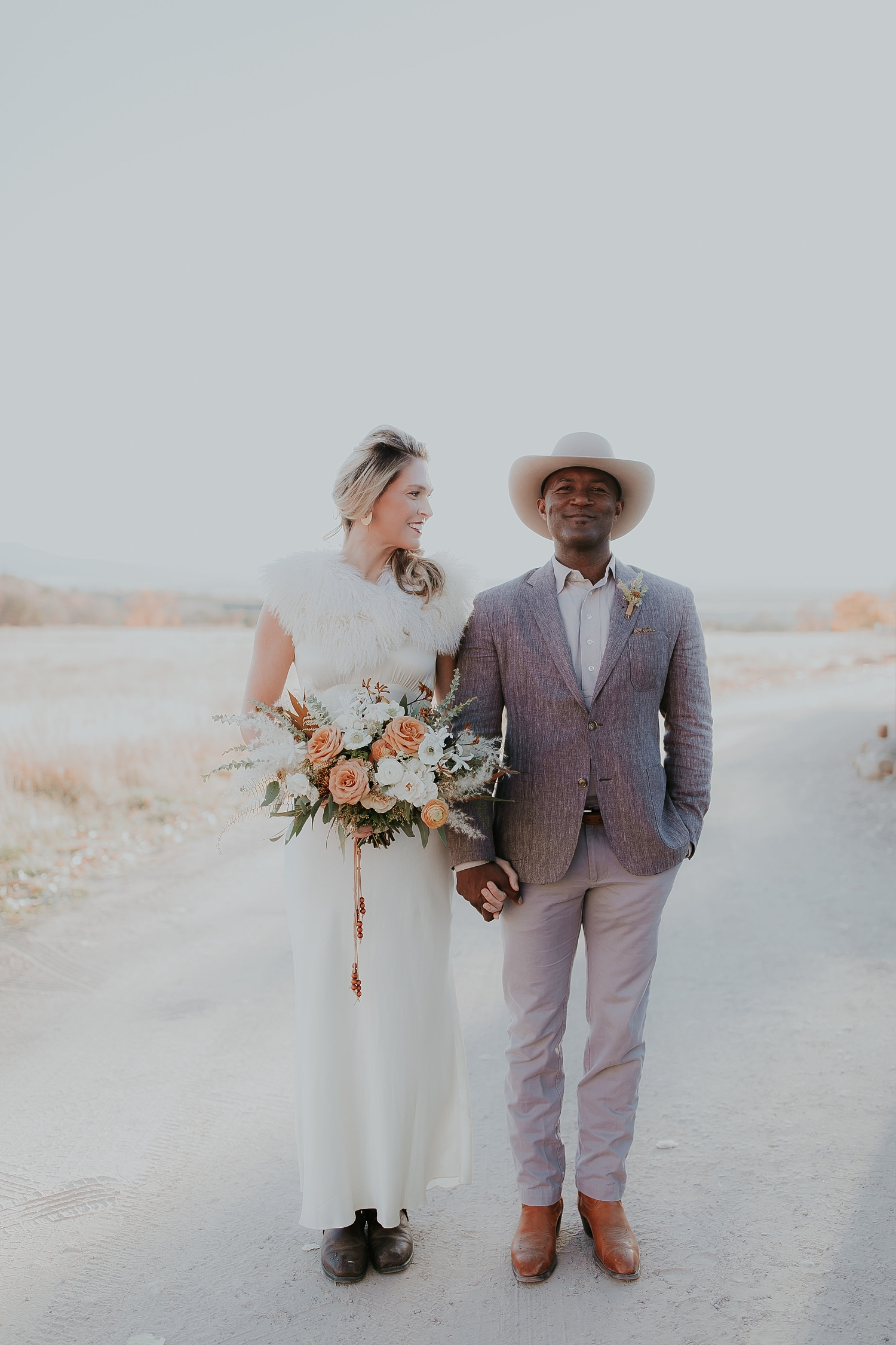 Alicia+lucia+photography+-+albuquerque+wedding+photographer+-+santa+fe+wedding+photography+-+new+mexico+wedding+photographer+-+new+mexico+ghost+ranch+wedding+-+styled+wedding+shoot_0050.jpg