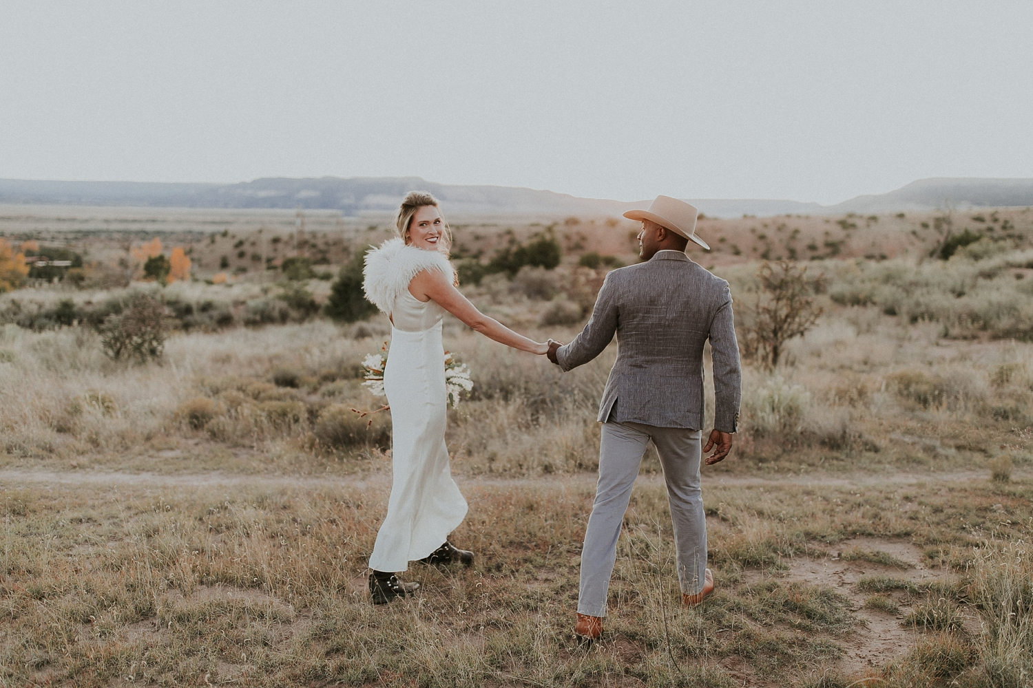 Alicia+lucia+photography+-+albuquerque+wedding+photographer+-+santa+fe+wedding+photography+-+new+mexico+wedding+photographer+-+new+mexico+ghost+ranch+wedding+-+styled+wedding+shoot_0071.jpg