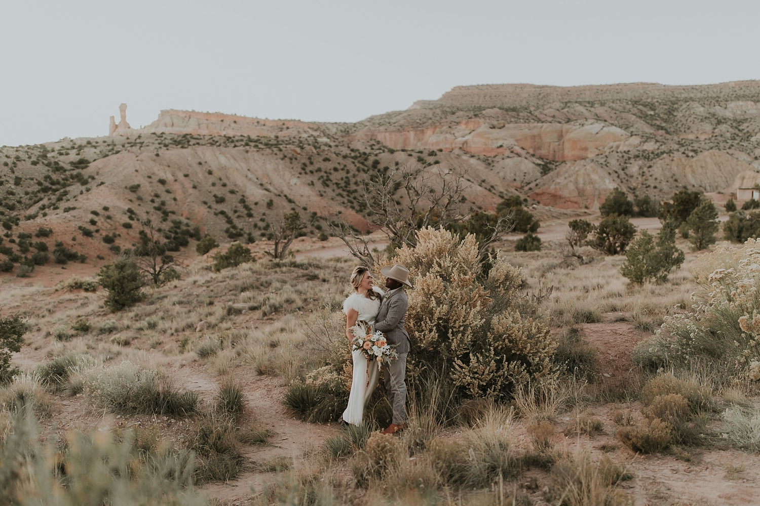 Alicia+lucia+photography+-+albuquerque+wedding+photographer+-+santa+fe+wedding+photography+-+new+mexico+wedding+photographer+-+new+mexico+ghost+ranch+wedding+-+styled+wedding+shoot_0072.jpg