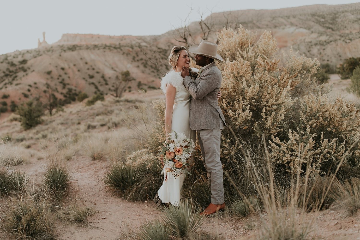 Alicia+lucia+photography+-+albuquerque+wedding+photographer+-+santa+fe+wedding+photography+-+new+mexico+wedding+photographer+-+new+mexico+ghost+ranch+wedding+-+styled+wedding+shoot_0075.jpg
