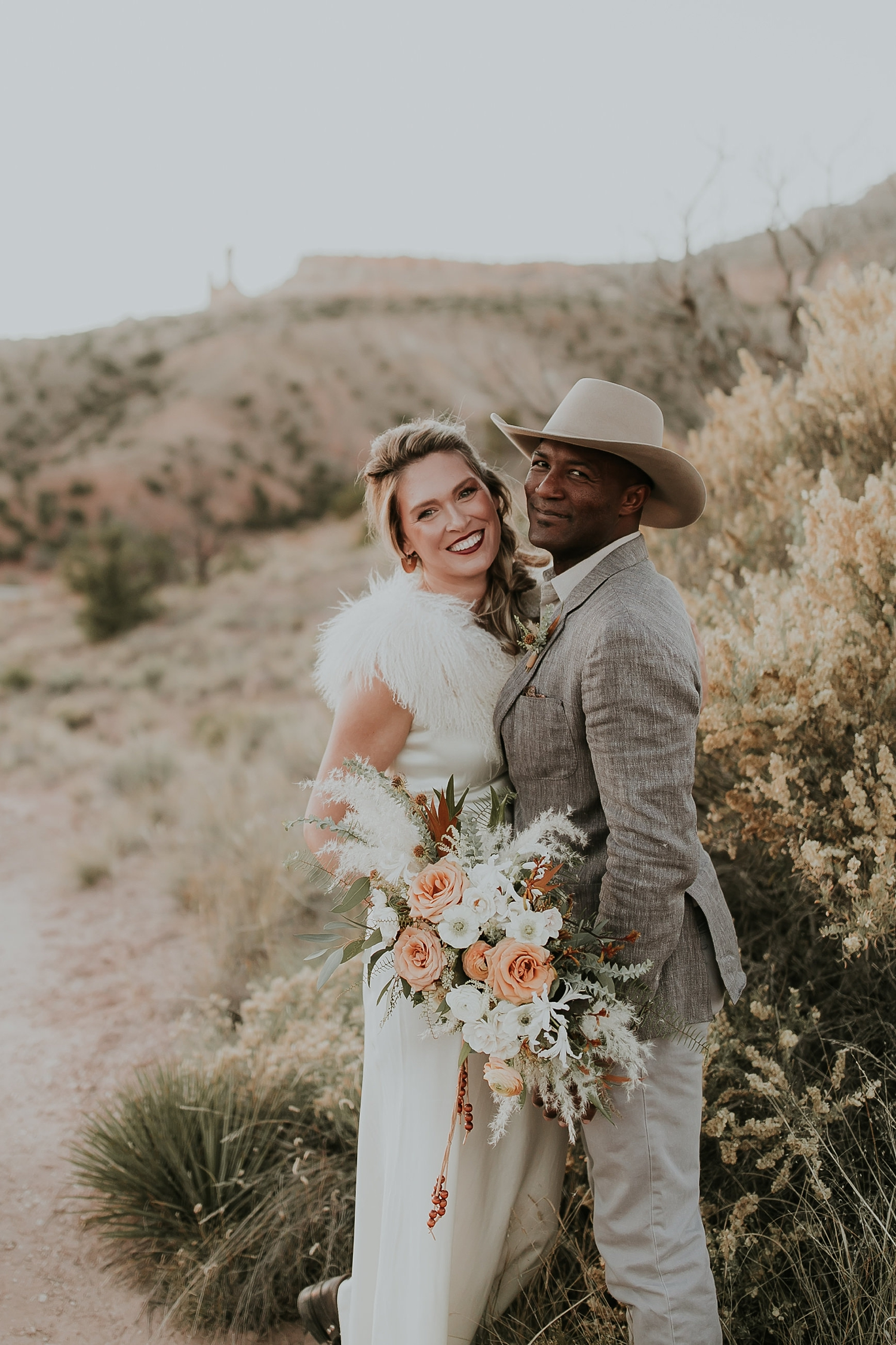 Alicia+lucia+photography+-+albuquerque+wedding+photographer+-+santa+fe+wedding+photography+-+new+mexico+wedding+photographer+-+new+mexico+ghost+ranch+wedding+-+styled+wedding+shoot_0077.jpg
