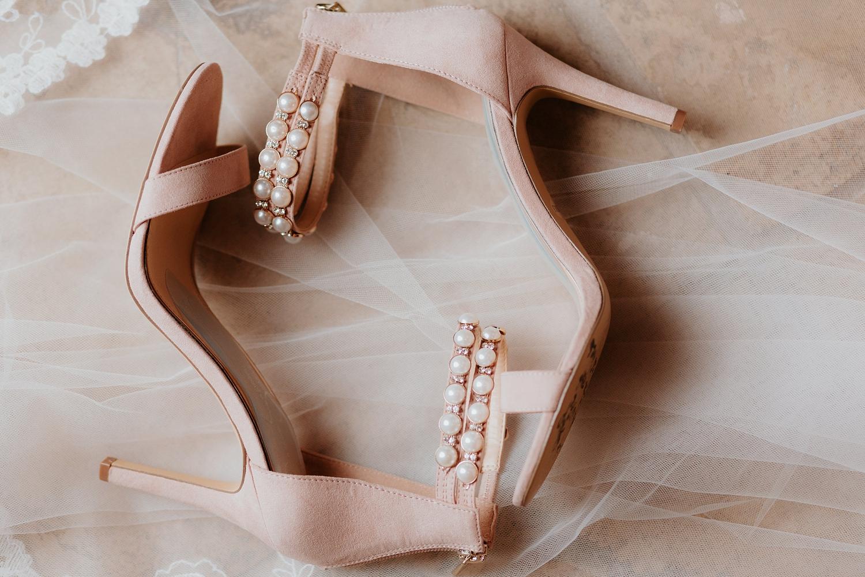 Alicia+lucia+photography+-+albuquerque+wedding+photographer+-+santa+fe+wedding+photography+-+new+mexico+wedding+photographer+-+wedding+bridal+shoe+-+wedding+style+edit_0003.jpg