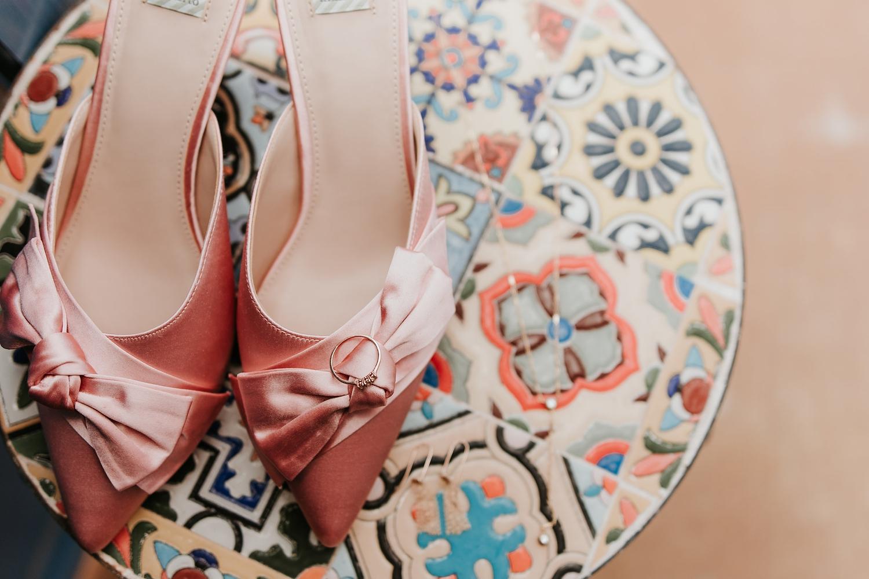 Alicia+lucia+photography+-+albuquerque+wedding+photographer+-+santa+fe+wedding+photography+-+new+mexico+wedding+photographer+-+wedding+bridal+shoe+-+wedding+style+edit_0005.jpg