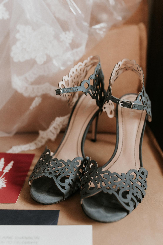 Alicia+lucia+photography+-+albuquerque+wedding+photographer+-+santa+fe+wedding+photography+-+new+mexico+wedding+photographer+-+wedding+bridal+shoe+-+wedding+style+edit_0011.jpg