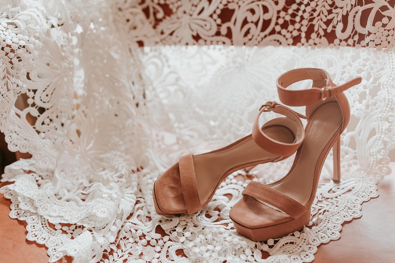 Alicia+lucia+photography+-+albuquerque+wedding+photographer+-+santa+fe+wedding+photography+-+new+mexico+wedding+photographer+-+wedding+bridal+shoe+-+wedding+style+edit_0014.jpg