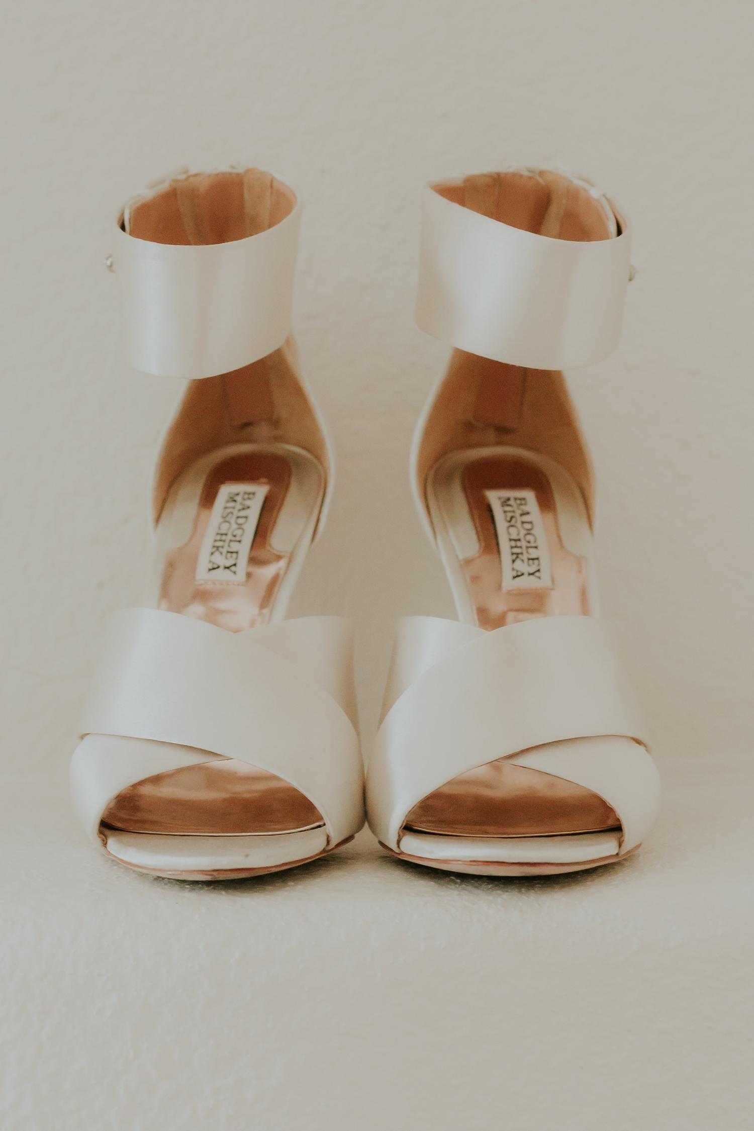Alicia+lucia+photography+-+albuquerque+wedding+photographer+-+santa+fe+wedding+photography+-+new+mexico+wedding+photographer+-+wedding+bridal+shoe+-+wedding+style+edit_0019.jpg