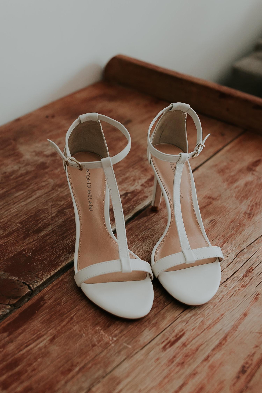 Alicia+lucia+photography+-+albuquerque+wedding+photographer+-+santa+fe+wedding+photography+-+new+mexico+wedding+photographer+-+wedding+bridal+shoe+-+wedding+style+edit_0024.jpg