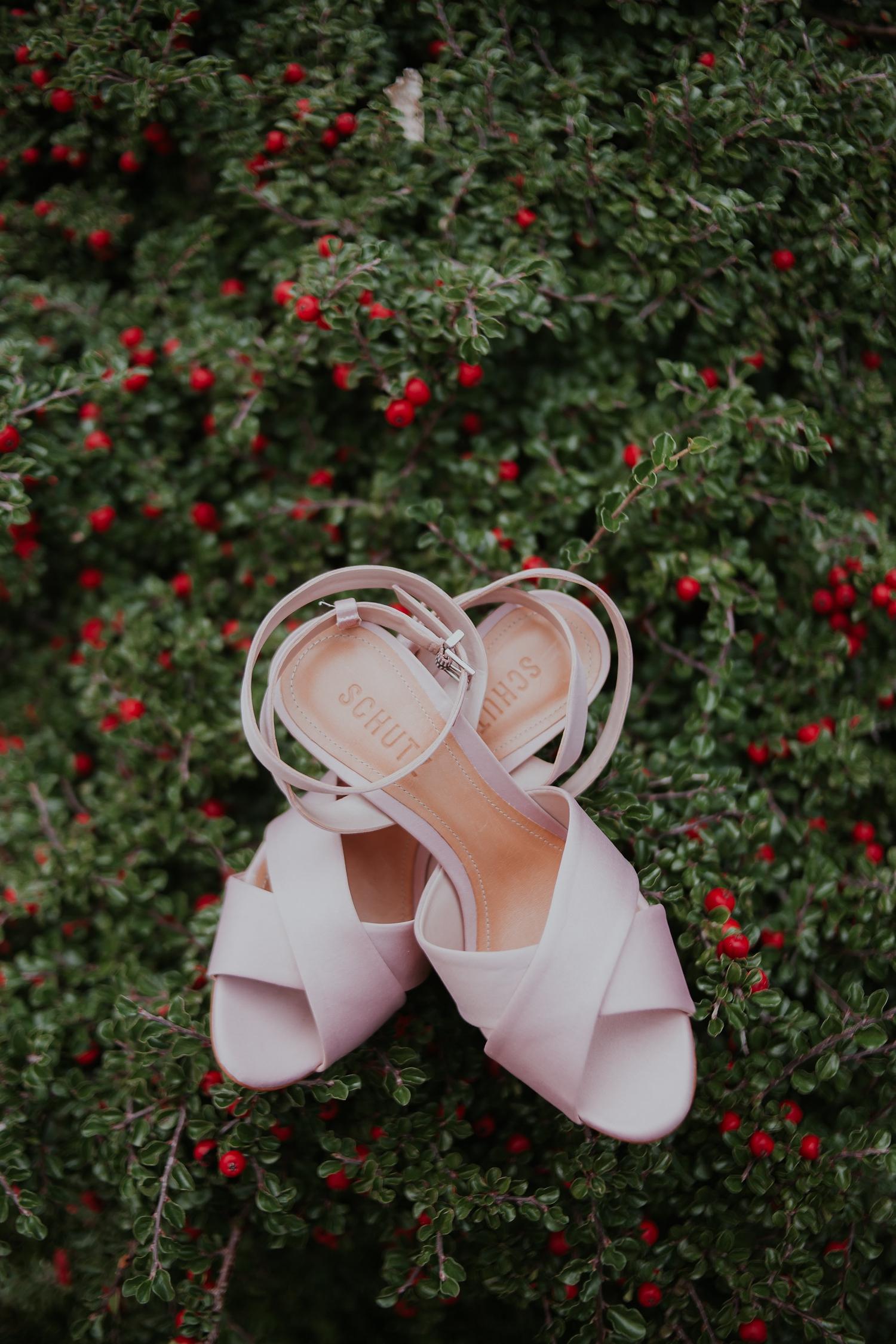 Alicia+lucia+photography+-+albuquerque+wedding+photographer+-+santa+fe+wedding+photography+-+new+mexico+wedding+photographer+-+wedding+bridal+shoe+-+wedding+style+edit_0023.jpg