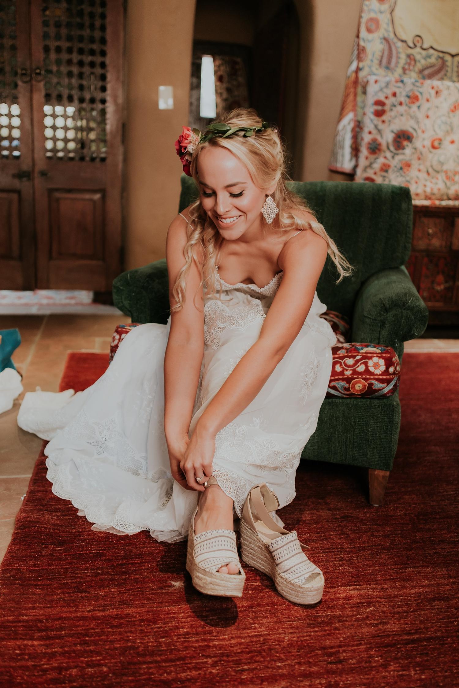 Alicia+lucia+photography+-+albuquerque+wedding+photographer+-+santa+fe+wedding+photography+-+new+mexico+wedding+photographer+-+wedding+bridal+shoe+-+wedding+style+edit_0026.jpg