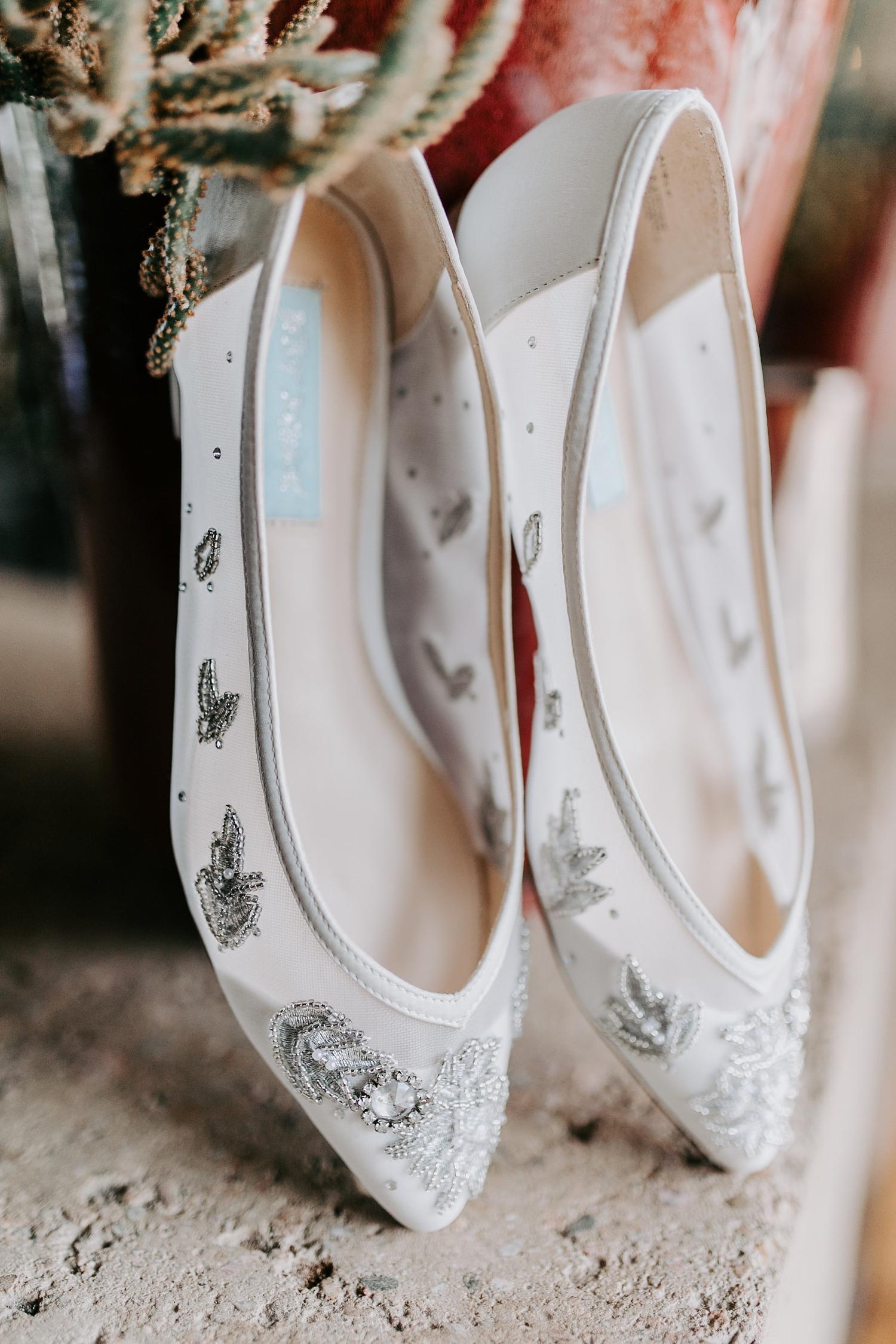 Alicia+lucia+photography+-+albuquerque+wedding+photographer+-+santa+fe+wedding+photography+-+new+mexico+wedding+photographer+-+wedding+bridal+shoe+-+wedding+style+edit_0031.jpg