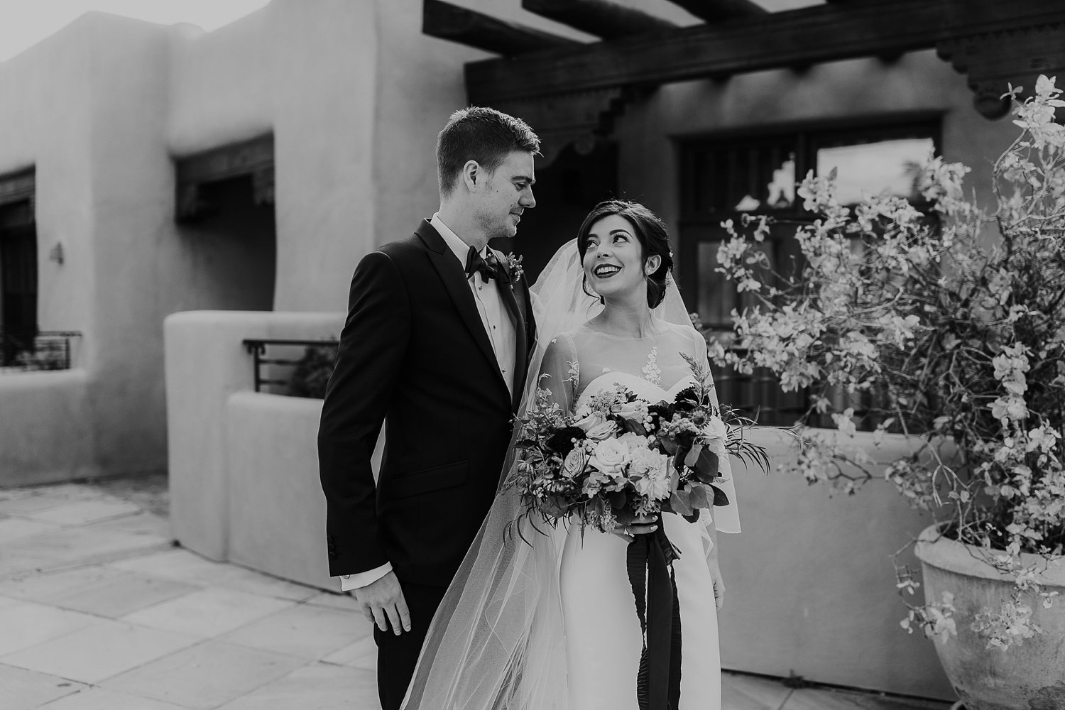 Alicia+lucia+photography+-+albuquerque+wedding+photographer+-+santa+fe+wedding+photography+-+new+mexico+wedding+photographer+-+la+fonda+santa+fe+wedding+-+santa+fe+fall+wedding+-+la+fonda+fall+wedding_0022.jpg